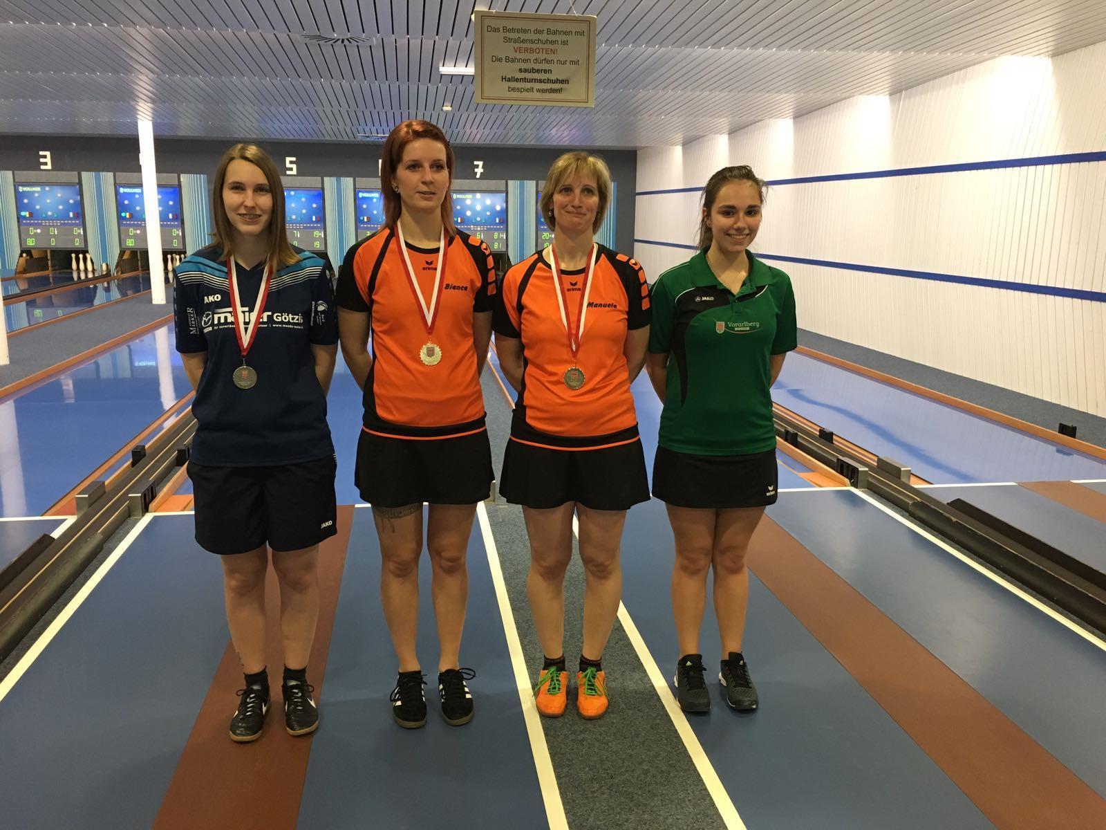 v.l.n.r.: 2. Stefanie Knauer - SKC Koblach, 1. Bianca Leissner und 3. Manuela Zudrell - beide SKC Illwerke, 4. Wüschner Nina - SKC EHG Dornbirn