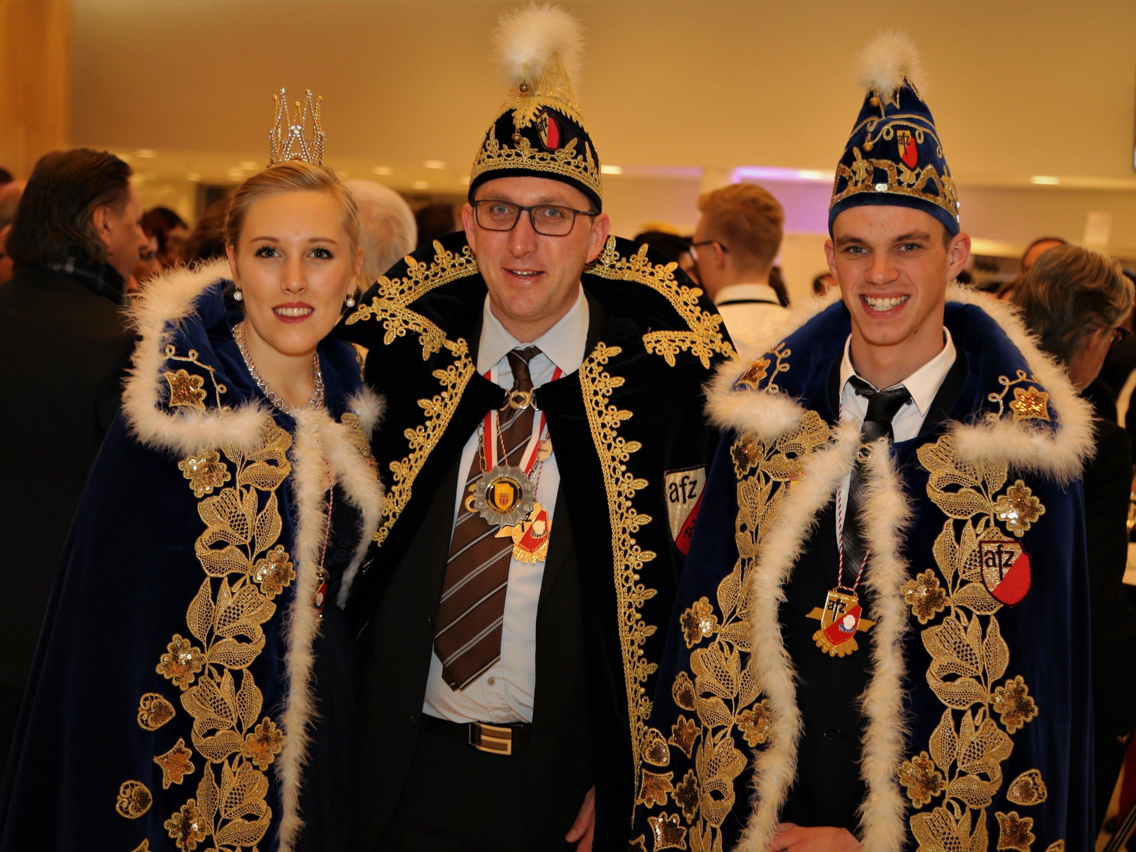Prinzessin Christina II. und Prinz Philipp II. mit Präsident Heimo Breuss (M.).