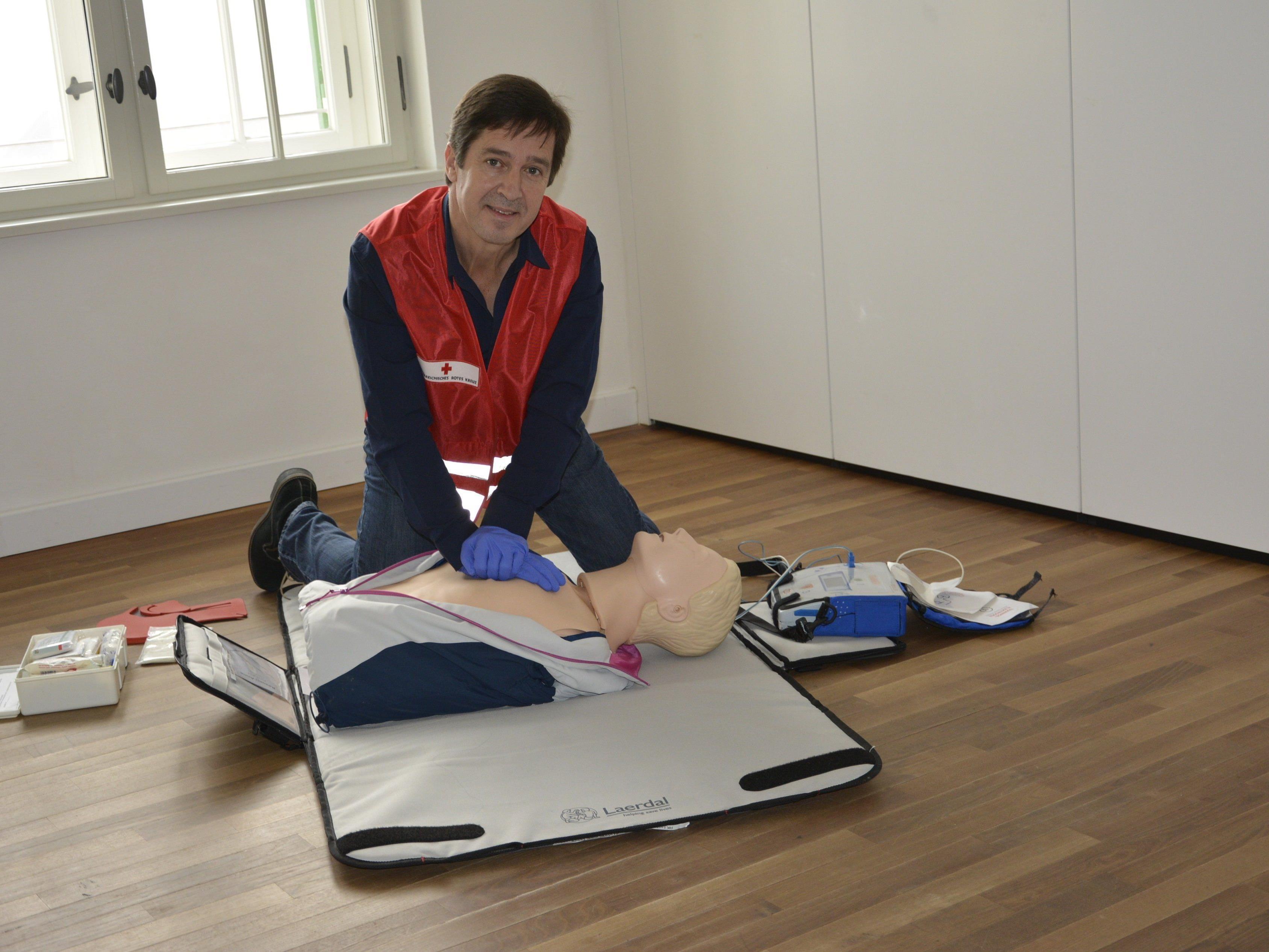 Seit Jugend an ist Sigi Hämmerle beim Roten-Kreuz Lustenau im ehrenamtlichen Dienst.