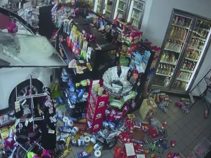 Eine Überwachungskamera filmte den Unfall.