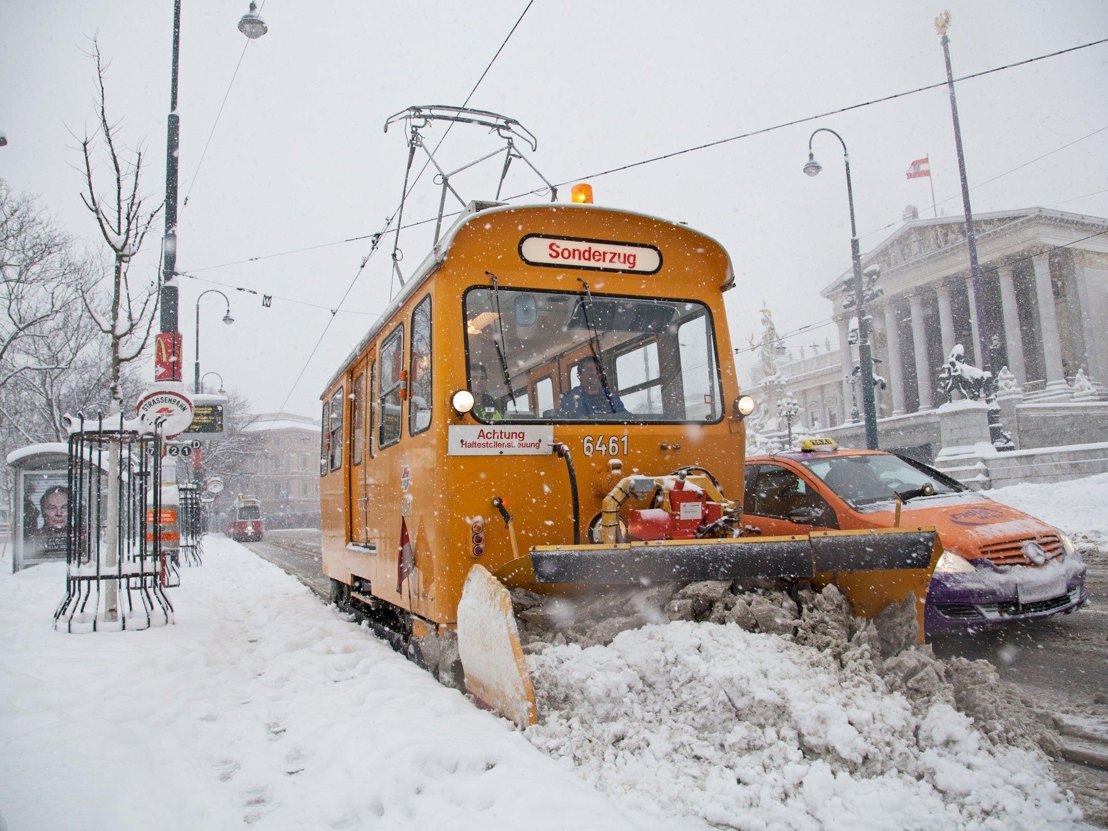 Der Winterdienst der Wiener Linien sorgt für freie Schienen