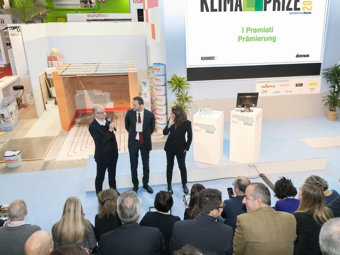Verleihung des ersten Klimahouse-Preises durch die Messe Bozen und die italienische Architekturzeitschrift Domus.