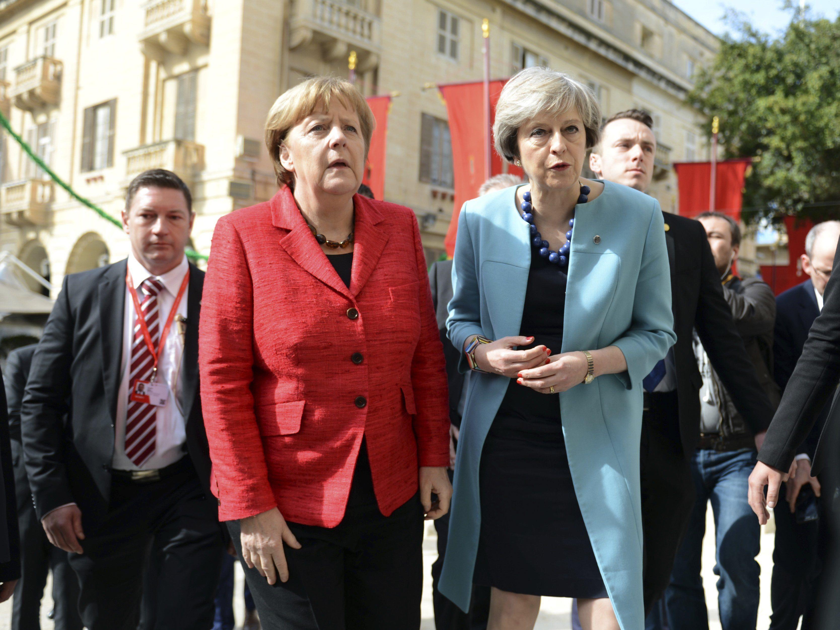 Angela Merkel und Theresa May beim EU-Gipfel am Freitag in Malta.