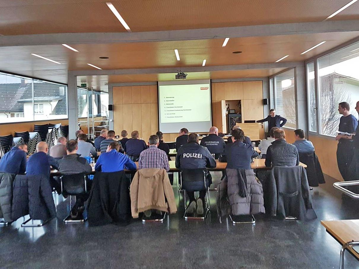 """Vorstellung des Katastrophenschutzprogramms """"Securplan"""" im Feuerwehrhaus"""