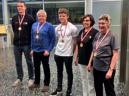 Noah Schreiber (Mitte) holte sich erneut den Titel.