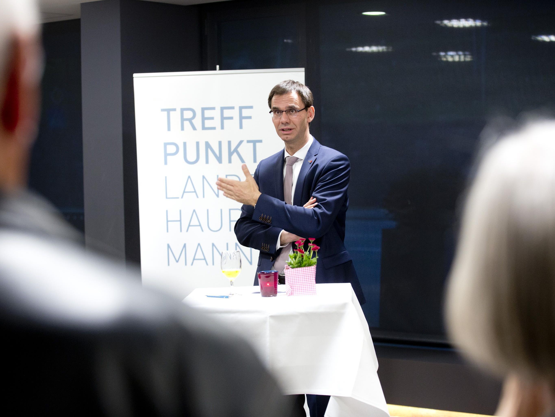 """Der direkte Austausch über wichtige Zukunftsfragen stand im Mittelpunkt der 88. """"Treffpunkt Landeshauptmann""""-Veranstaltung in Rankweil"""