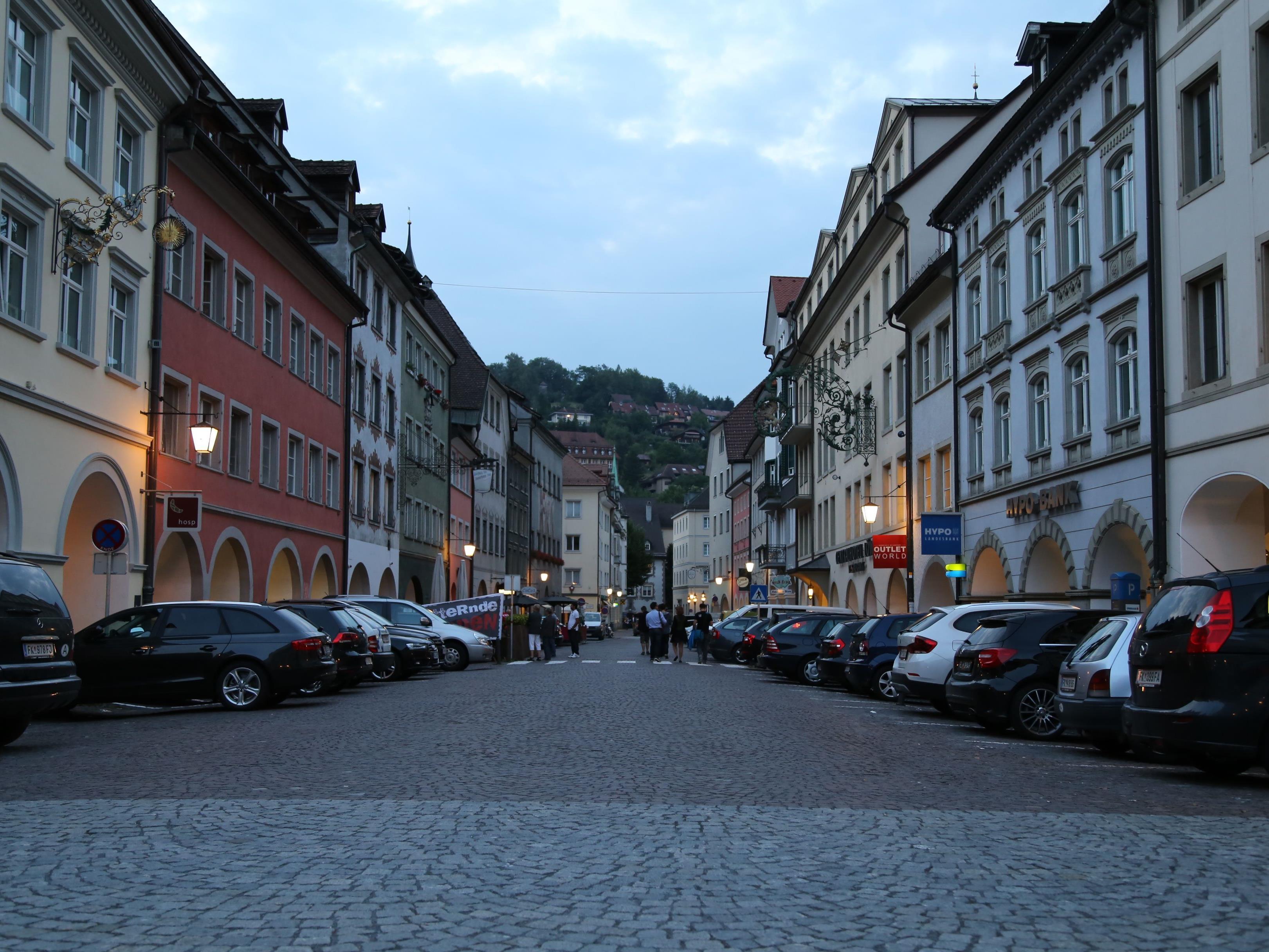 Die Parkplatz-Situation in der Neustadt bleibt bis 2019 (fast) unverändert. Ein Gastgarten kommt aber dazu.