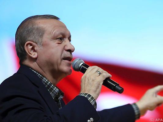 Erdogan will auch kommen, wenn er nicht eingeladen ist