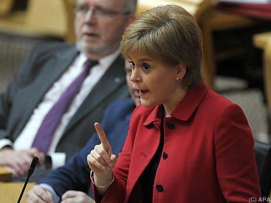 Sturgeon wurde das Mandat erteilt