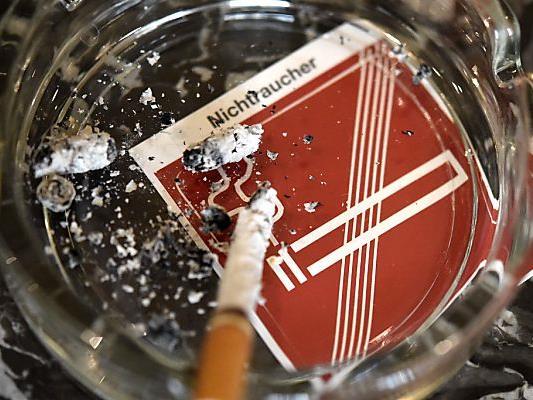 Ein Rauchverbot unter 18 sieht die Jugendvertretung differenziert