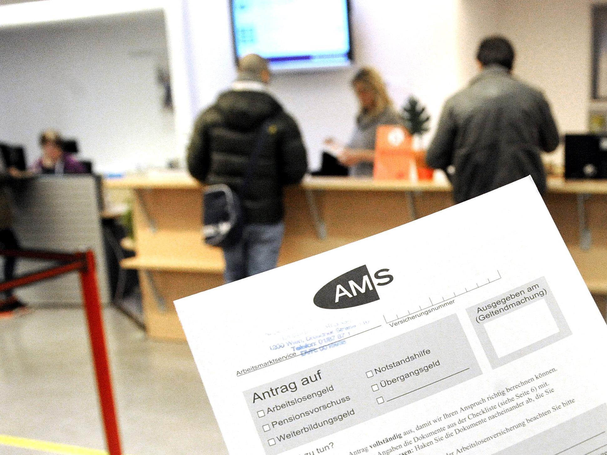 Die Zahl der vorgemerkten Arbeitslosen lag in Vorarlberg weiterhin unter dem Niveau des Vorjahres.
