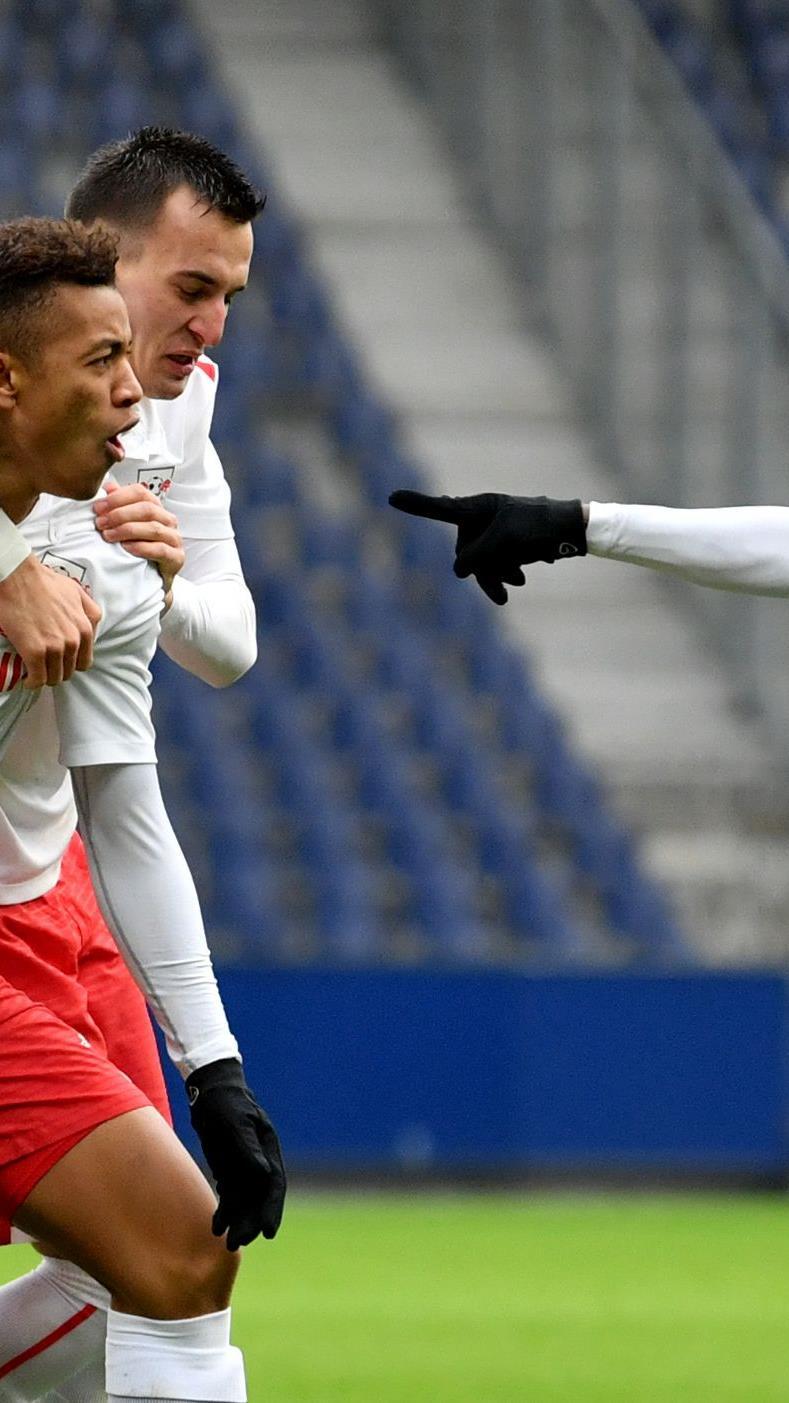 Verdienter 2:1-Sieg der Jungbullen im Viertelfinale.