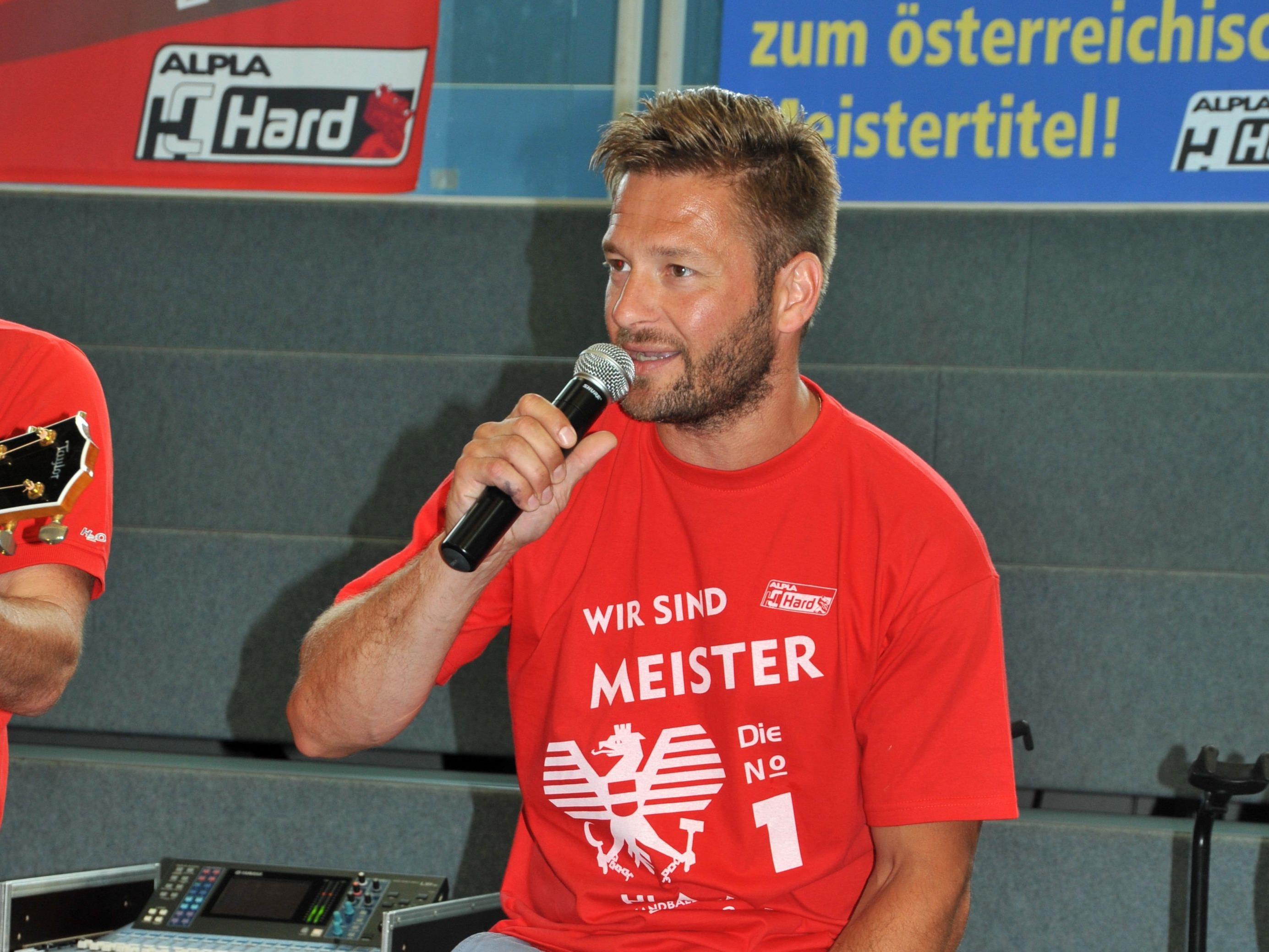 Der 77-fache Teamspieler Andreas Varga tritt beim All-Star-Game am Dienstag als Sänger auf.