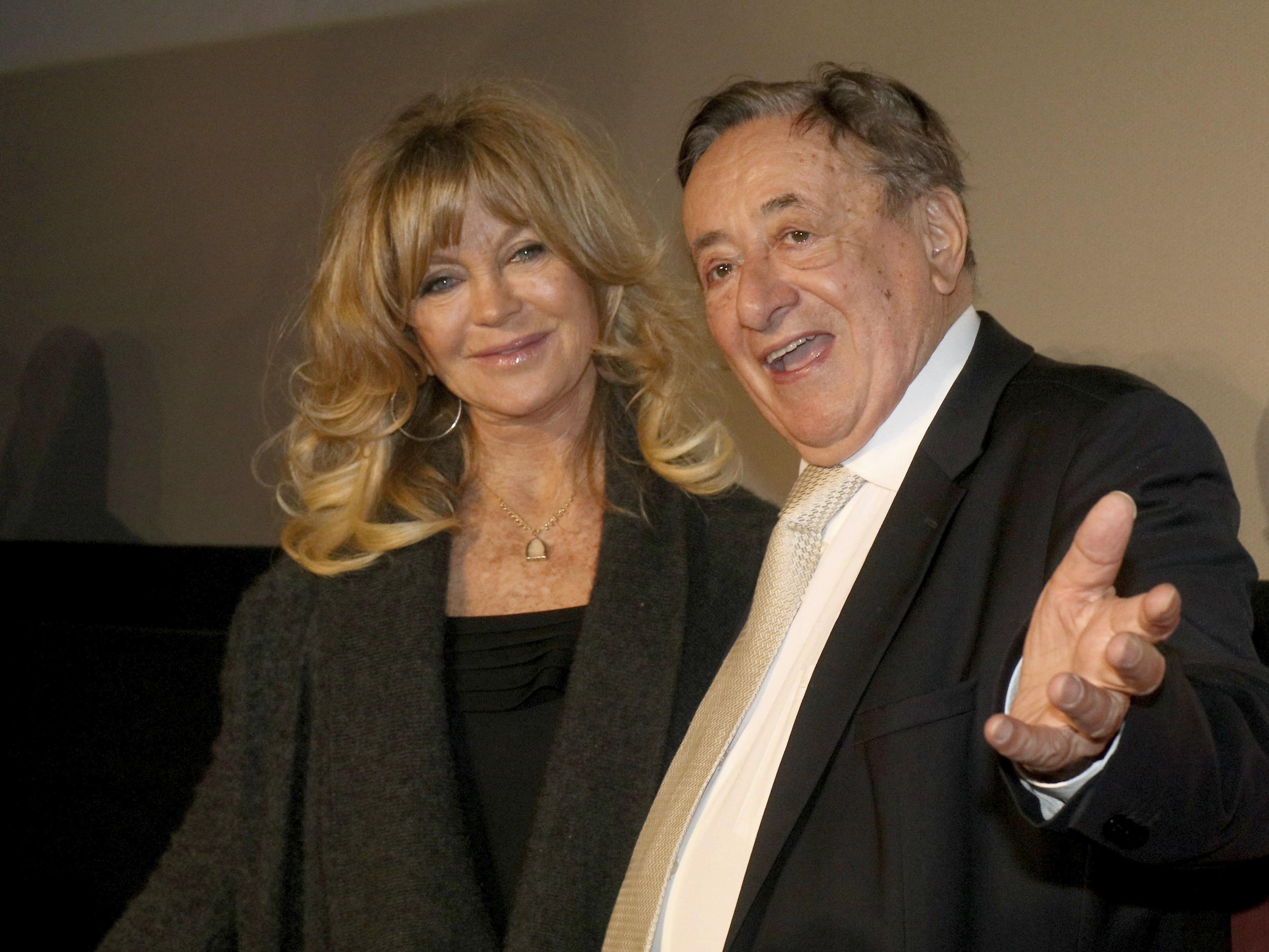 Richard Lugner, hier beim Opernball mit Stargast Goldie Hawn, ist frisch verliebt.