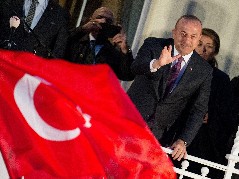 Der türkische Außenminister Cavusoglu bei seinem Auftritt in Hamburg.