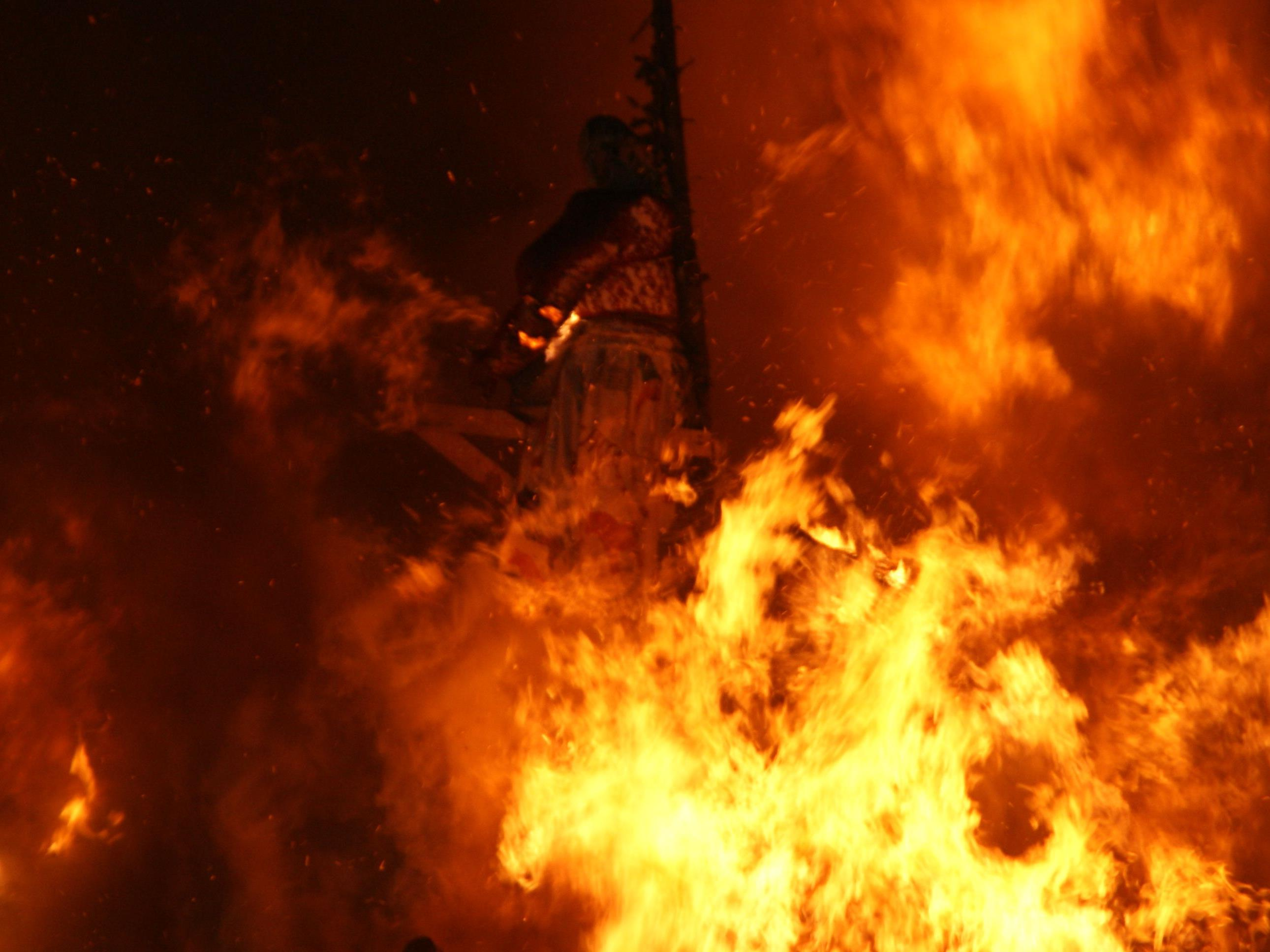Der Funken brannte lichterloh