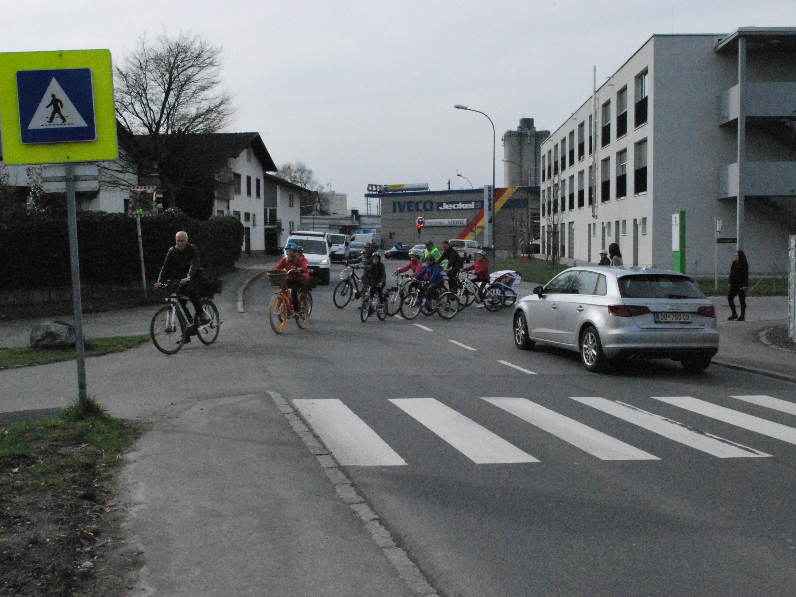 Die Querung für Radfahrer und Fußgänger der L 41 Zellgasse soll möglichst rasch sicherer gemacht werden.