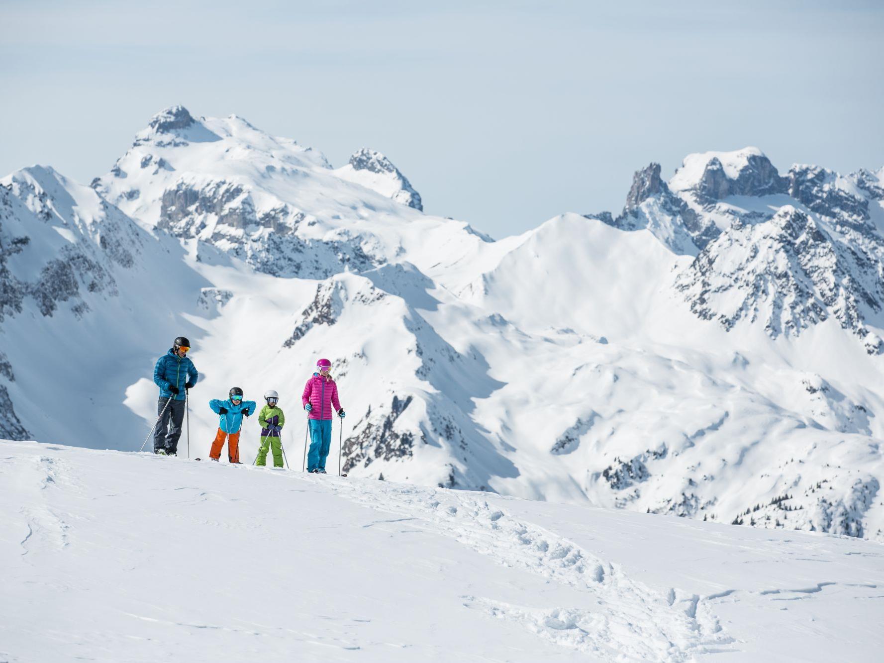"""Die Aktion """"Winter.Familie.Montafon"""" bietet Skispass für die ganze Familie zu besonders attraktiven Preisen."""