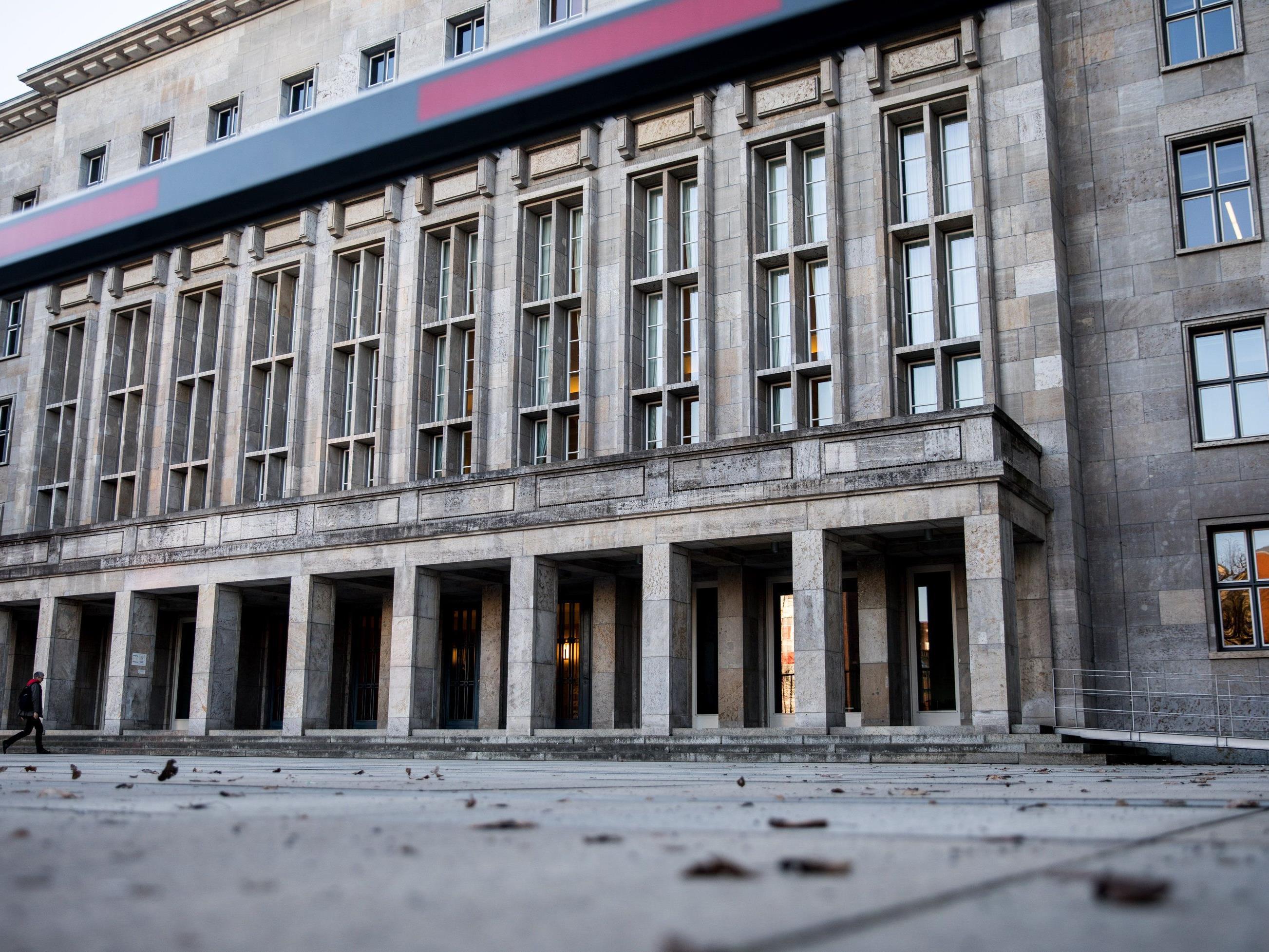 Sprengstoffpaket im deutschen Finanzministerium gefunden.