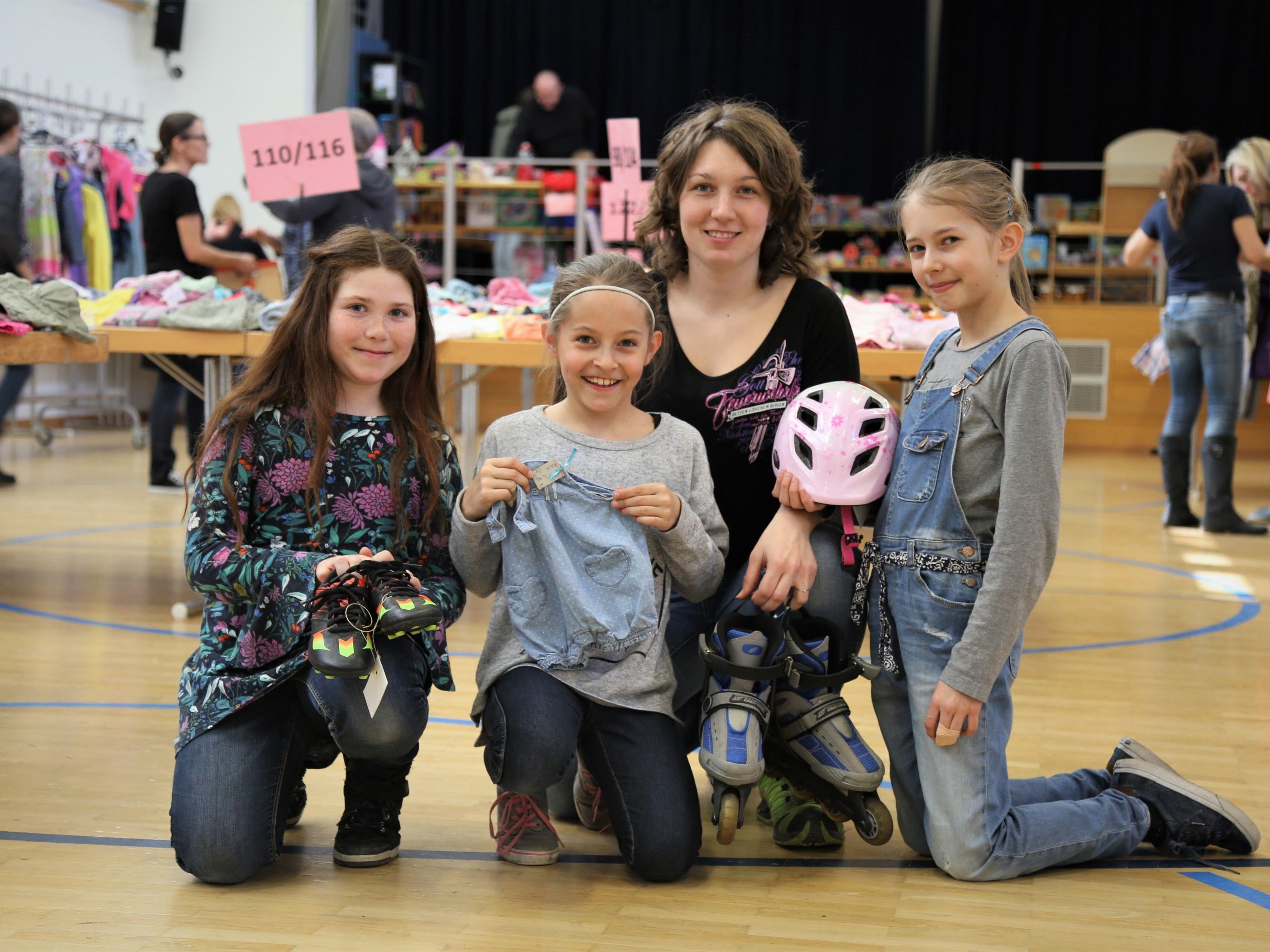 Kinder und Erwachsene  freuen sich jedes Jahr auf die Kinderkleiderbörse in Meiningen.