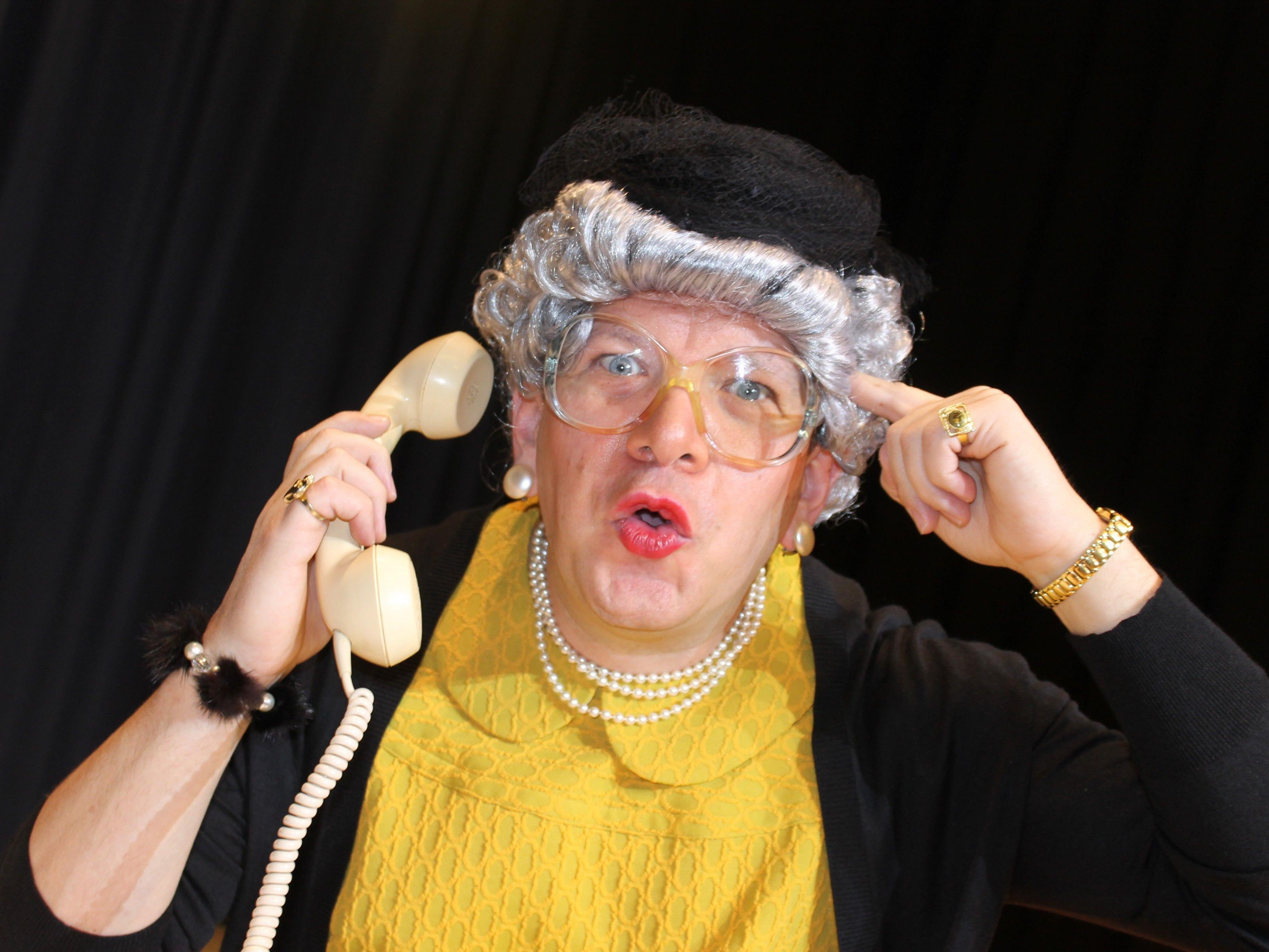 Oma Lilli startet am 3. März in Hörbranz ihre Verlängerungstournee durch Vorarlberg mit ihrem humorvollen Kabarett