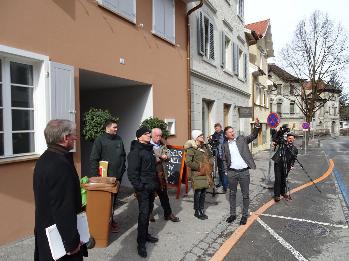 Markus Schadenbauer-Lacha erläuterte seine neuen Projekte in der Hohenemser Innenstadt.