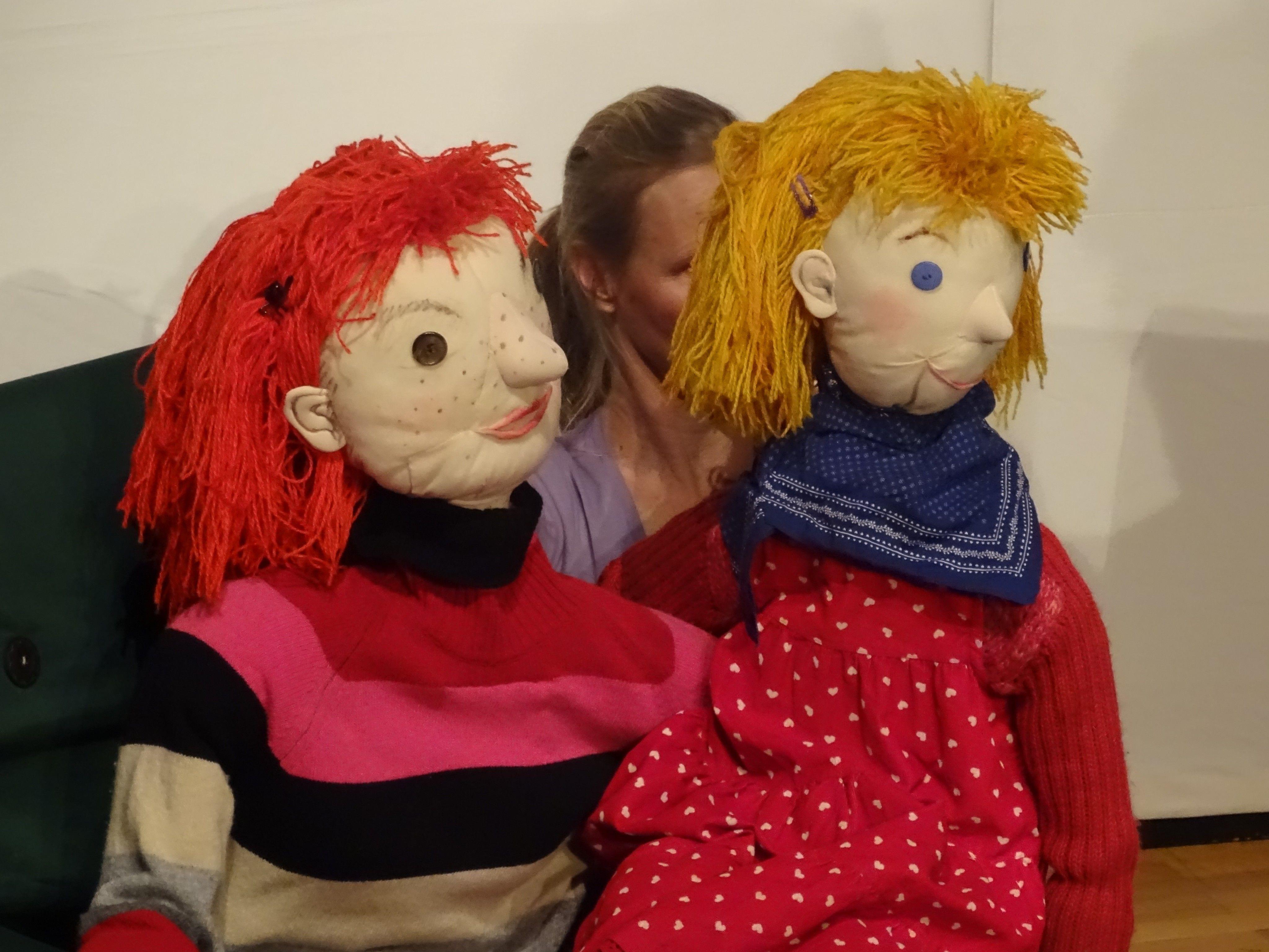 """Mit vielen unterschiedlichen Puppen erzählte das Figurentheater """"Lenchens Geheimnis""""."""