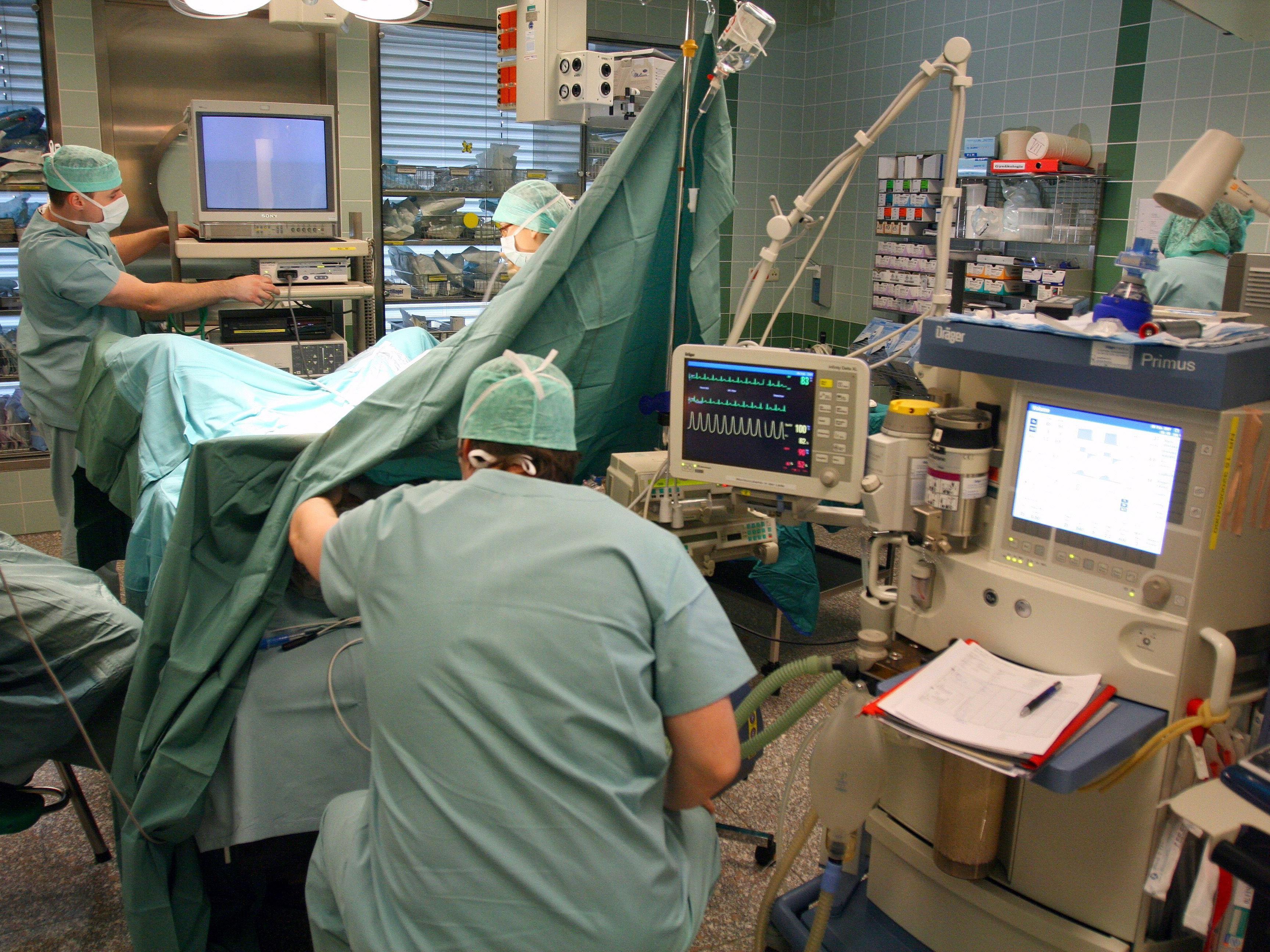 Eine korrekte Diagnose samt Operation hätte der PAtientin das Leben retten können.