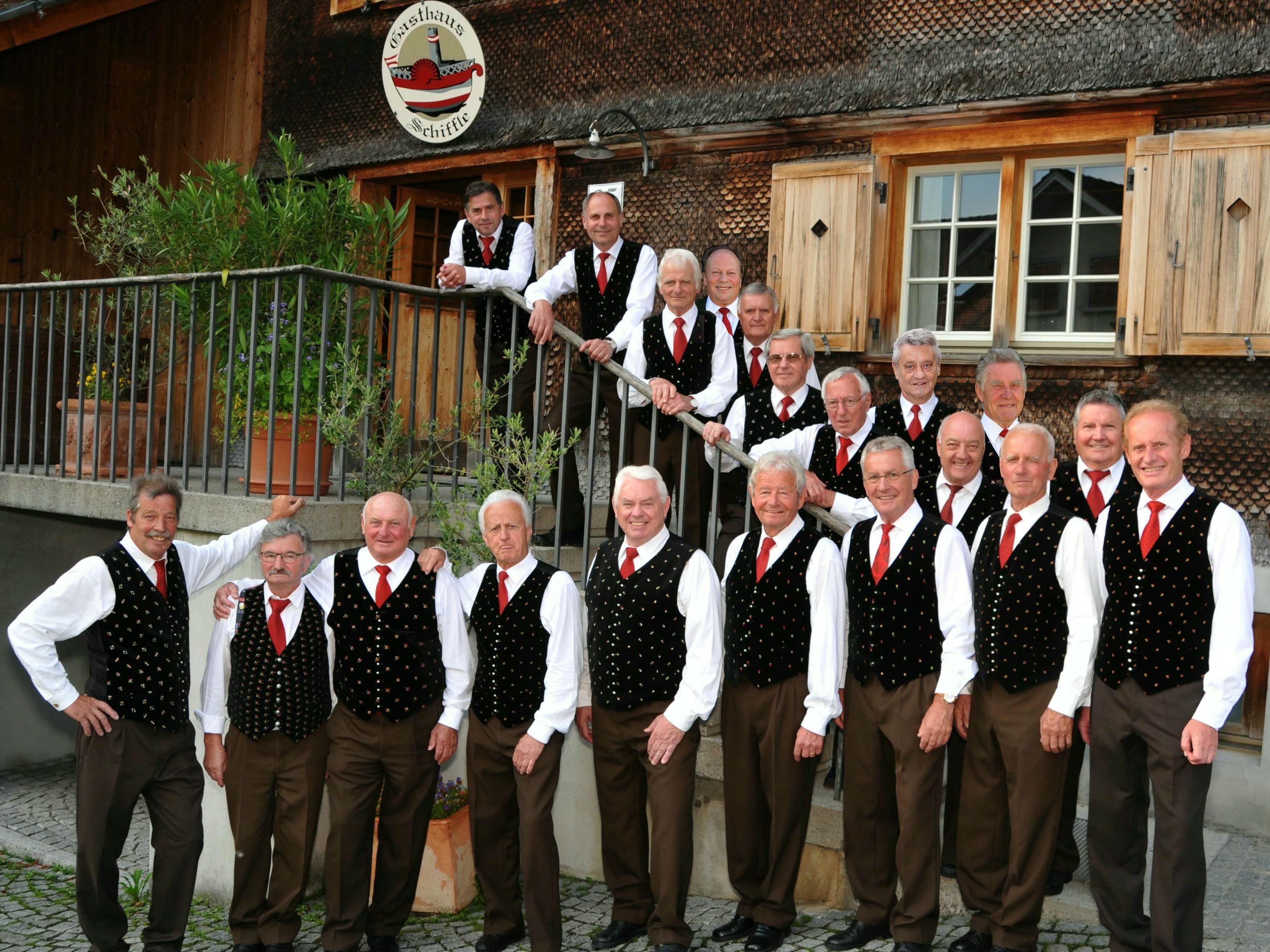 Der Kärntner Männerchor erfreut sich größter Beliebtheit und freut sich jederzeit über stimmliche Verstärkung.