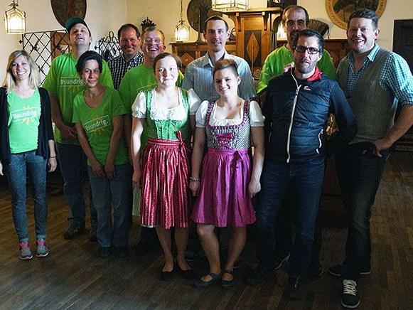 """Schützenhaus- und Sunnahof-Team sorgen wieder für ein """"bsundriges"""" Miteinander."""