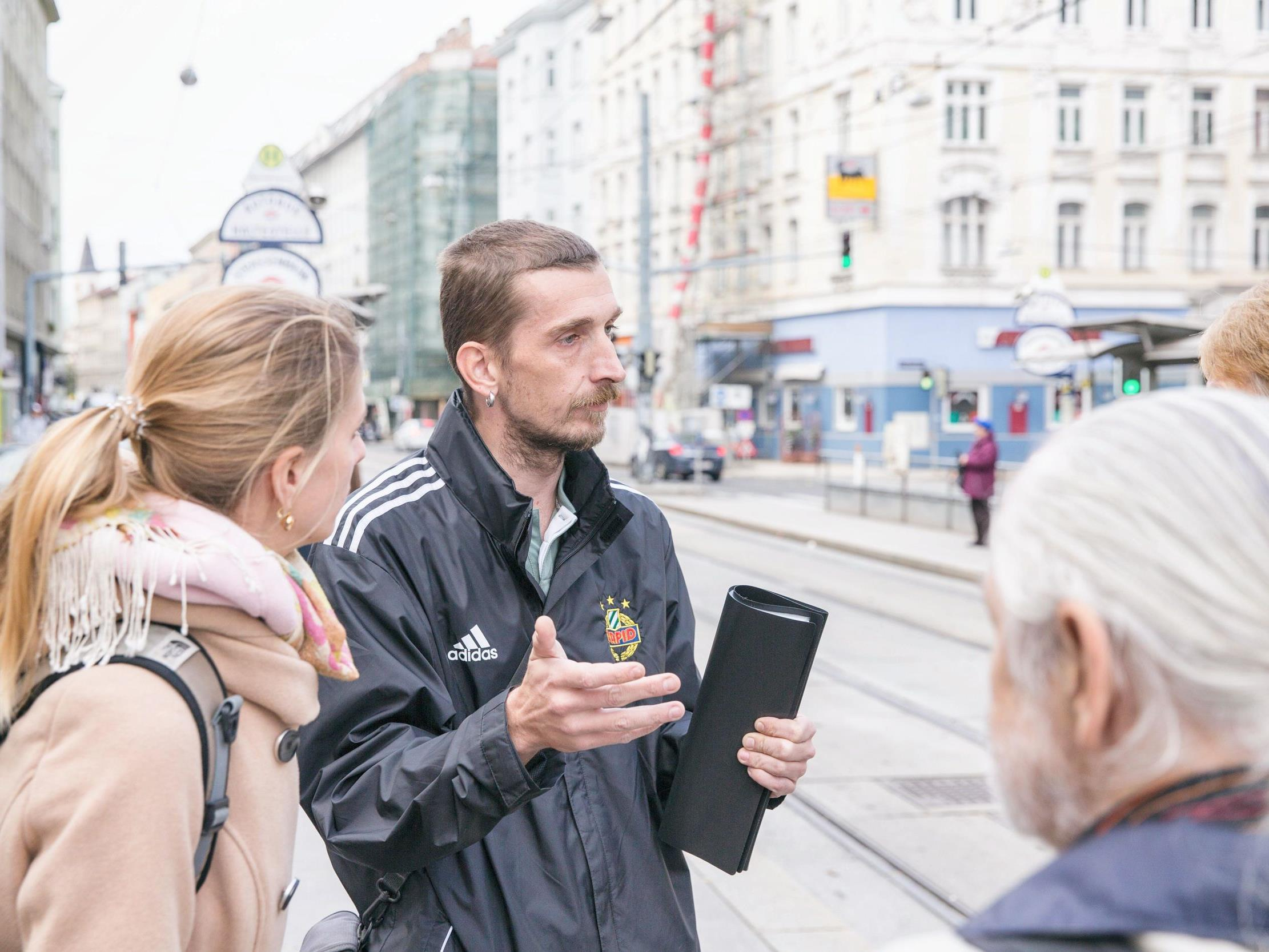 Bei den Shades Tours Vienna lernt man Wien aus der Sicht von Obdachlosen kennen