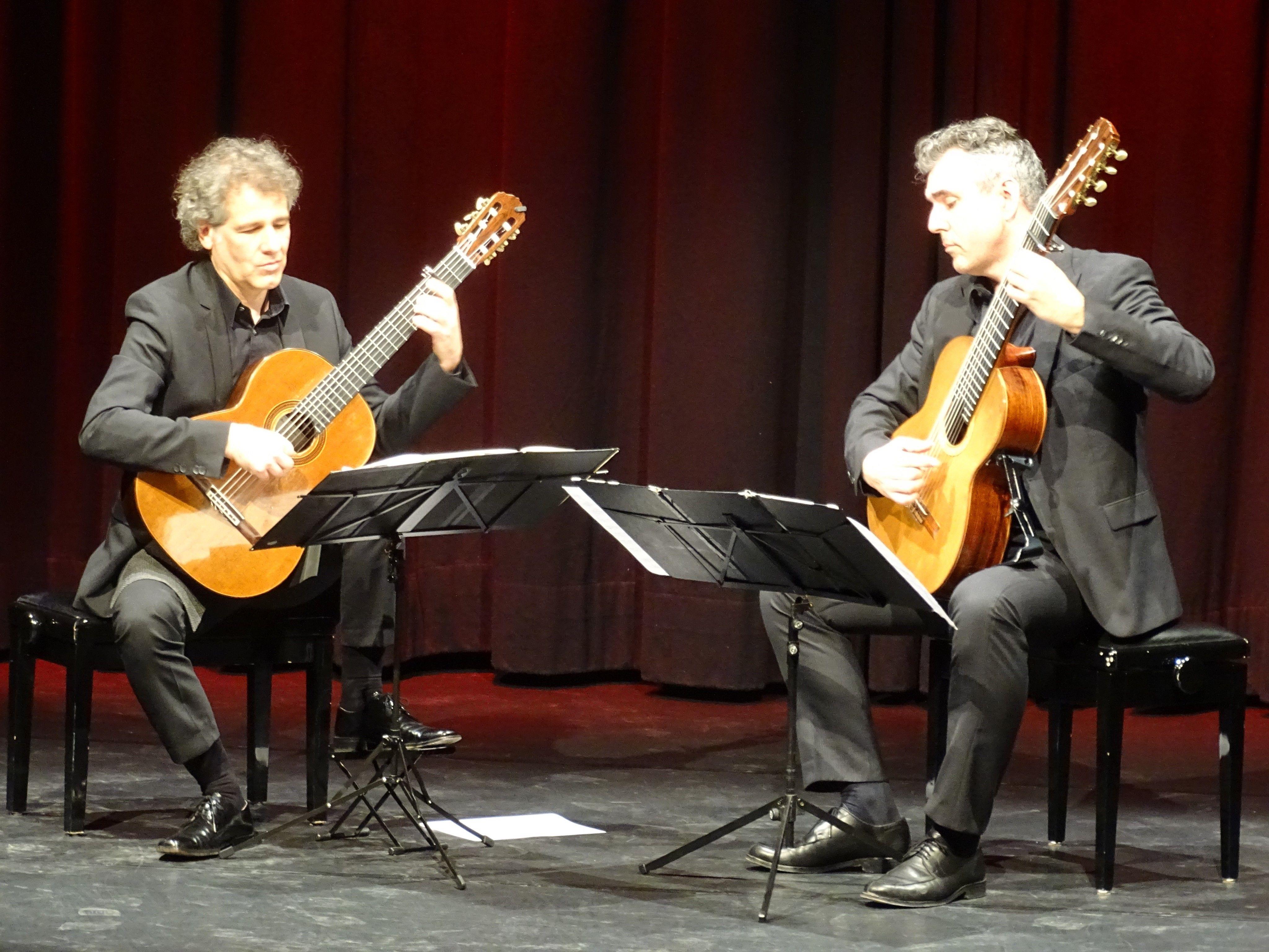 Die Weltklasse-Gitarristen Alexander Swete und Martin Schwarz präsentierten eine musikalische Reise durch die Jahrhunderte.