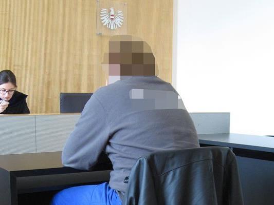 Wegen versuchter Nötigung wurde ein Mann vor dem Landesgericht Feldkirch verurteilt.