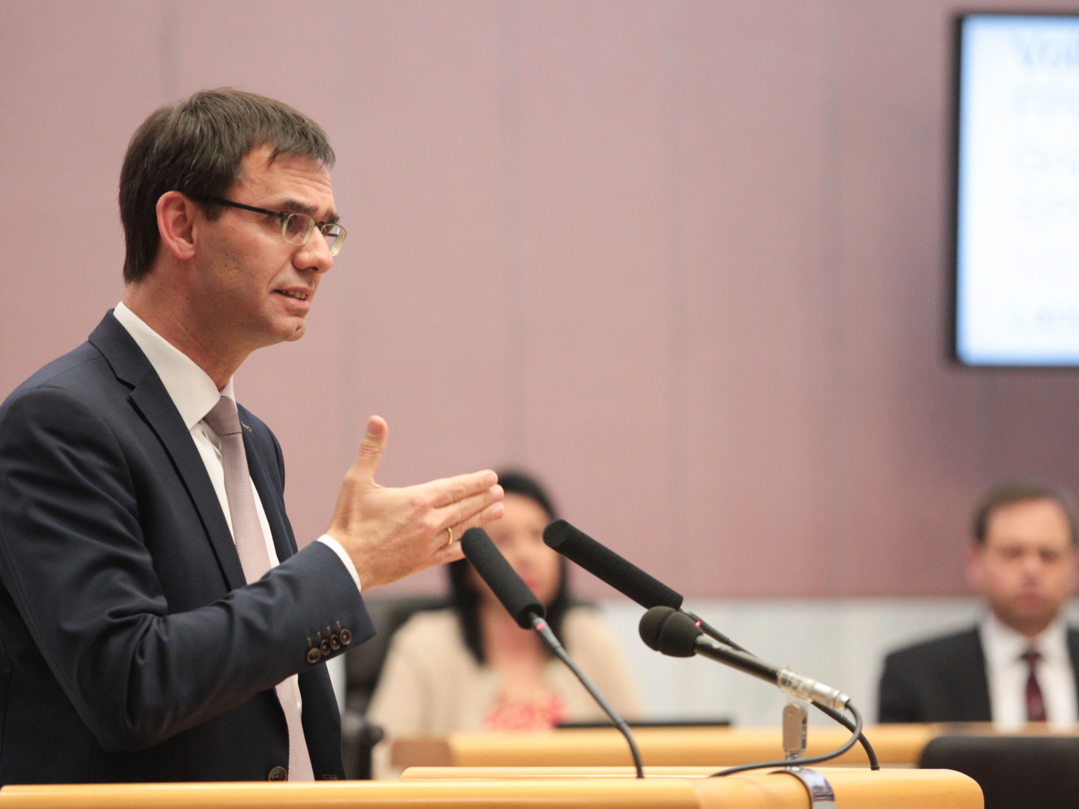 Markus Wallner begrüßt den Rückgang der Arbeitslosigkeit im Ländle.
