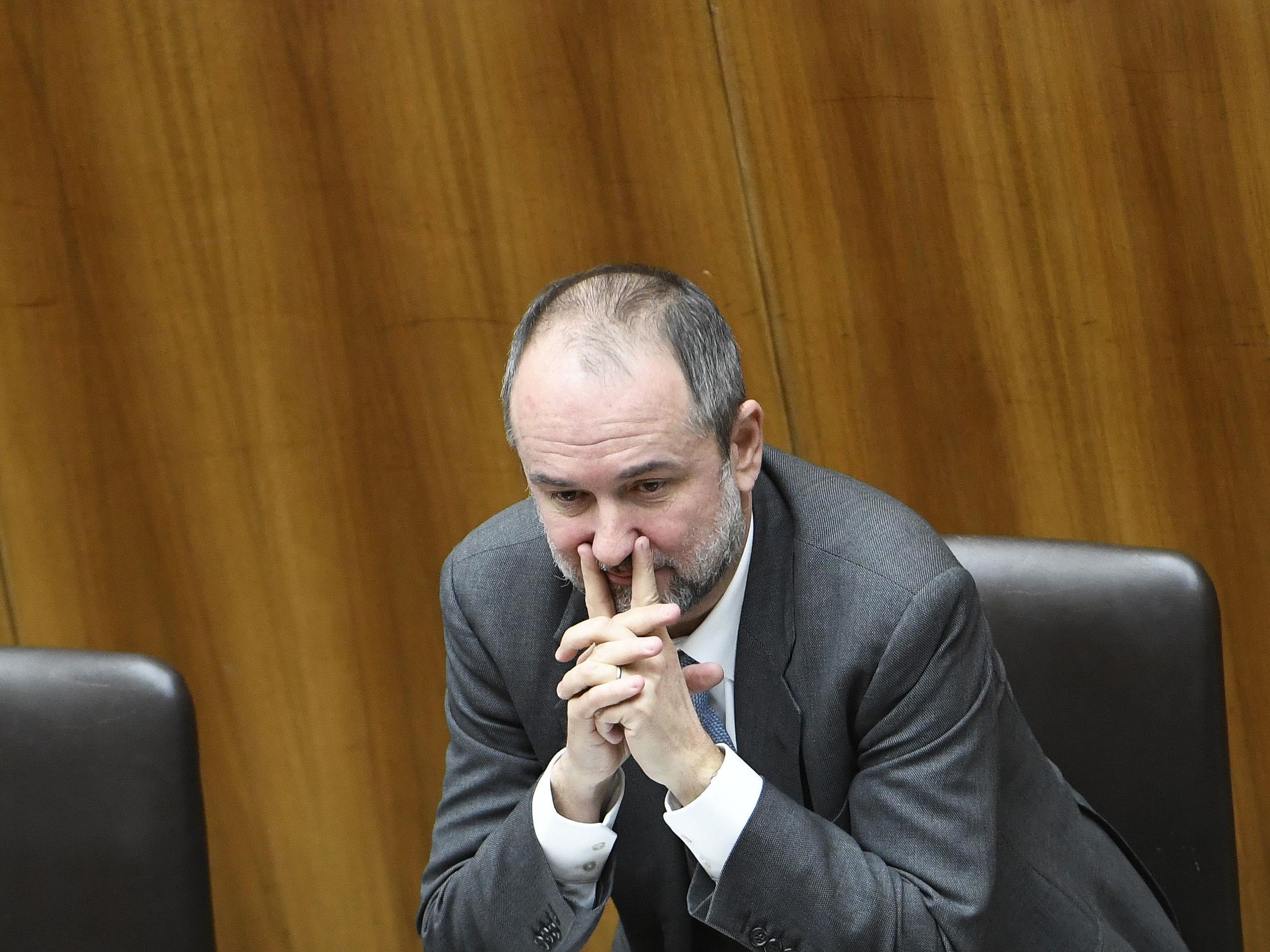 Kanzleramtsminister Thomas Drozda möchte die rund 300.000 Haushalte ein weiteres Mal vor an sich fälliger Erhöhung bewahren