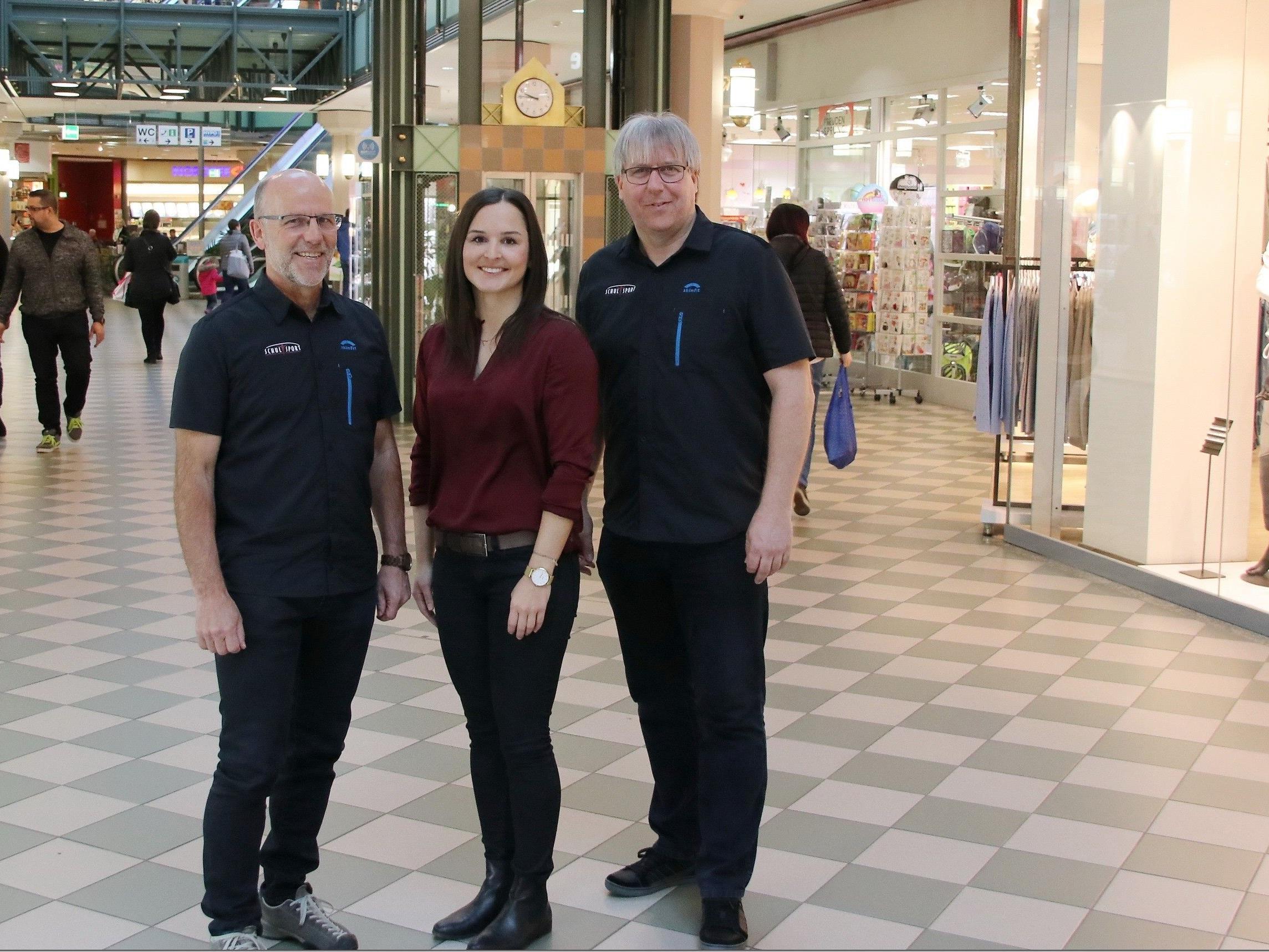 Messepark Marketingleiterin Eva Voit mit Christoph Neyer und Conny Berchtold vom Schulsport Vorarlberg