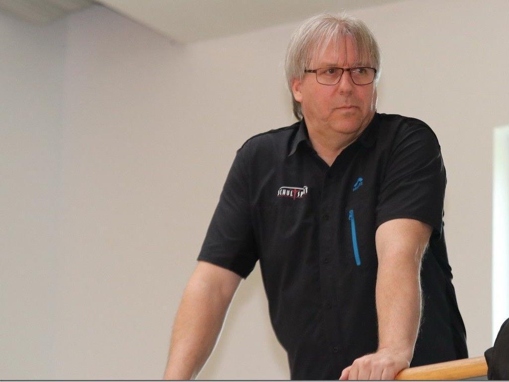 Schulsport Referent Christoph Neyer macht professionelle Arbeit