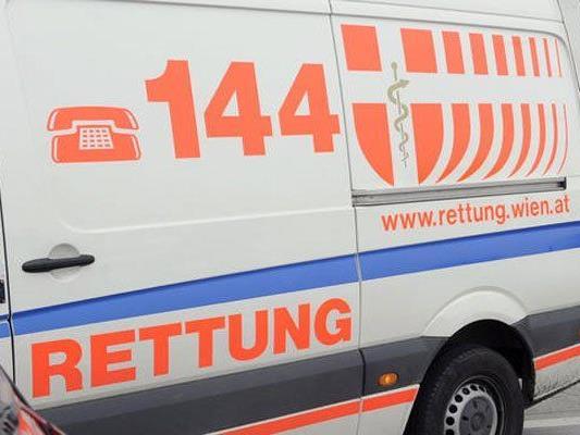 Arbeiter stürzten in Wien von Balkon - Mann lebensgefährlich verletzt
