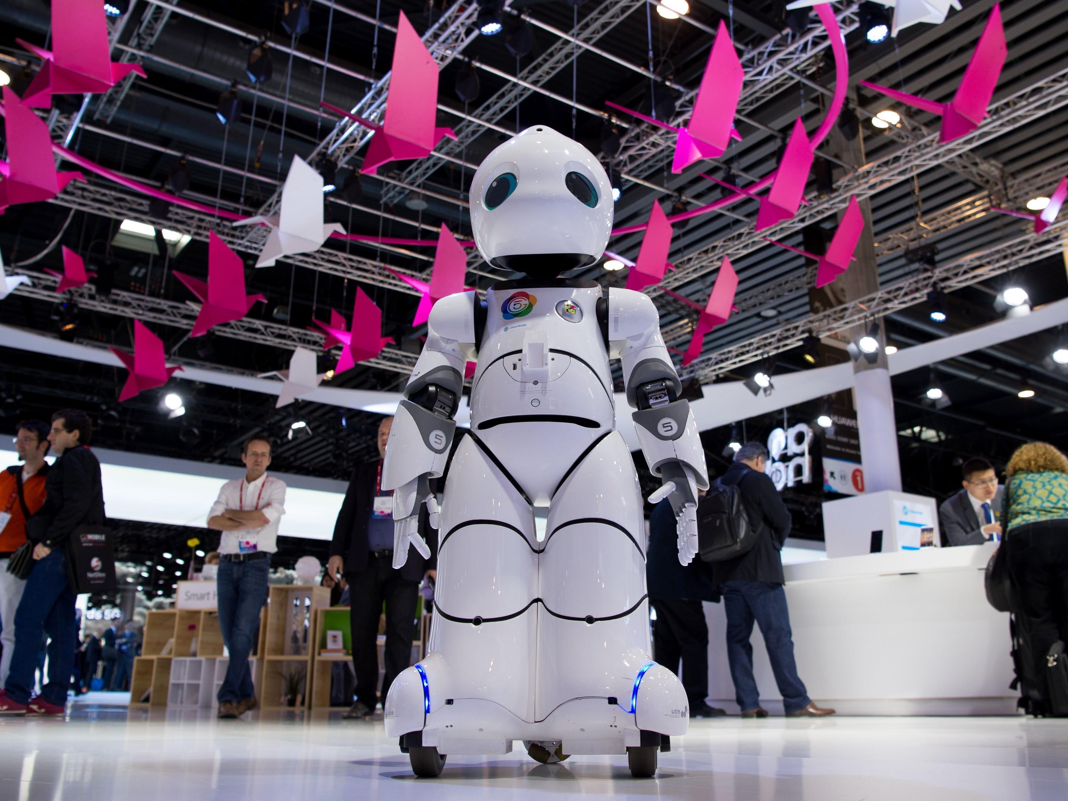 Roboter übernehmen immer mehr Arbeitsplätze von Menschen - Symbolbild