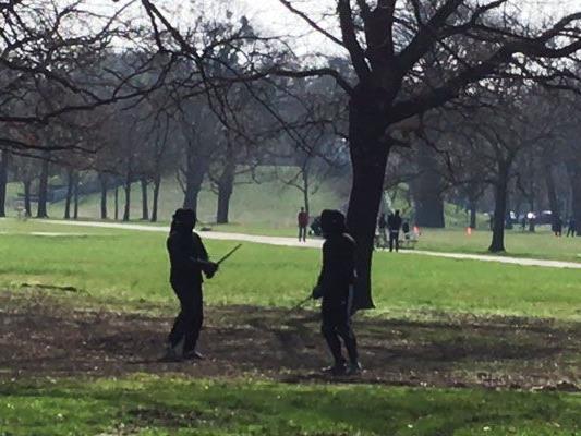 Ein schöner Tag für einen Schwertkampf.