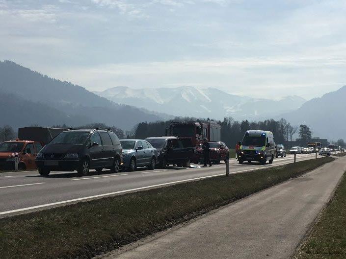 Vier Fahrzeuge waren in Unfall verwickelt