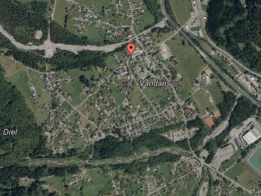 Aufgrund umgestürzter Bäume mussten mehrere Straßen im Gemeindegebiet von Vandans gesperrt werden.