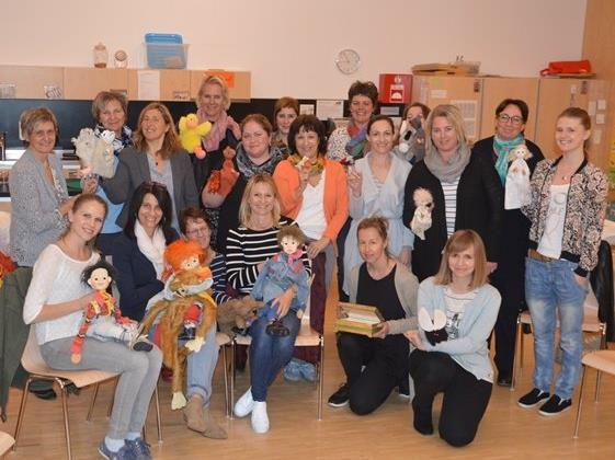 """Teilnehmerinnen des Workshops """"Die Entwicklung der emotionalen  Sprache und ihre Ausdrucksweisen"""" im Kinder- und Familientreff Bifang am 04. April 2017"""