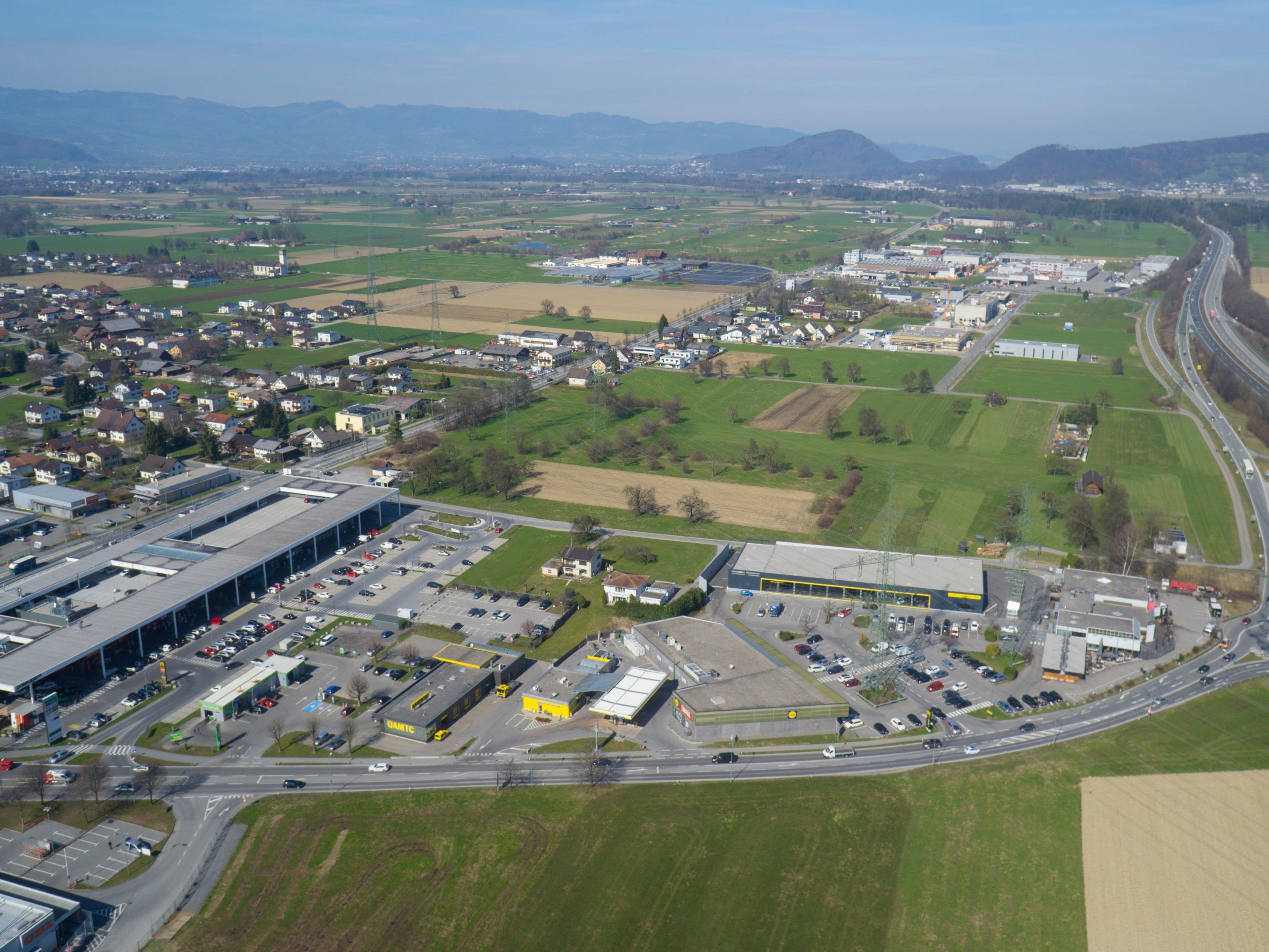 Hochkarätig besetzte, überparteiliche Initiative macht sich für Mobilisierung von Bauland in Vorarlberg stark.