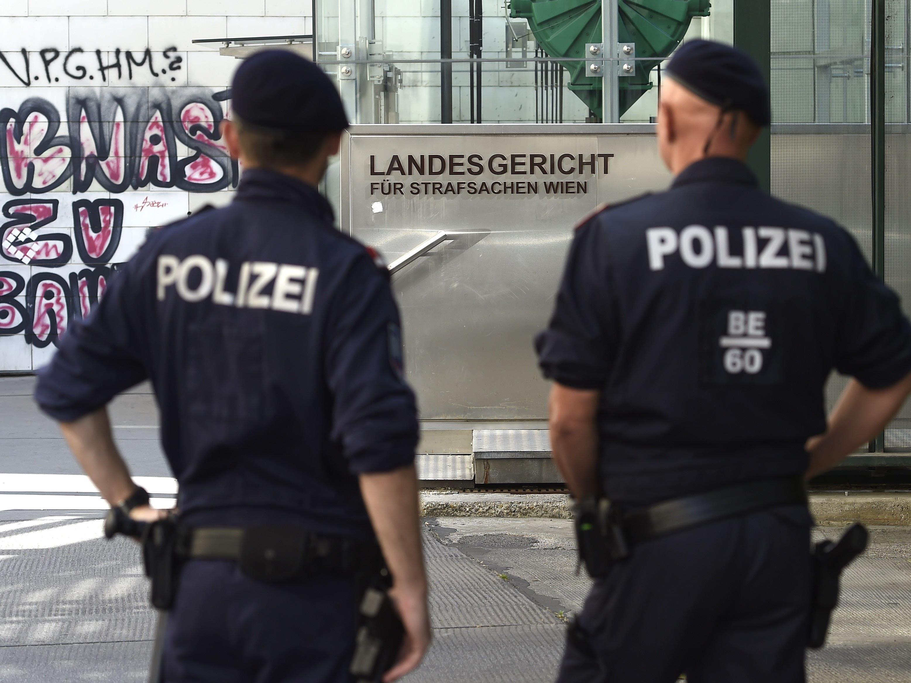 Der mutmaßliche Terrorist Magomed I. steht in Wien vor Gericht.