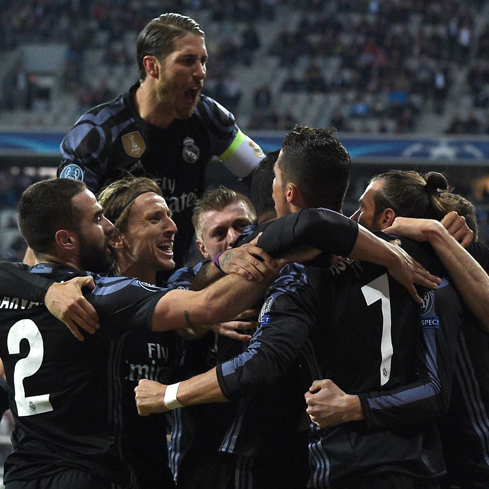 Ronaldo, Ramos und Co. jubeln über einen wichtigen 2:1-Sieg in München.