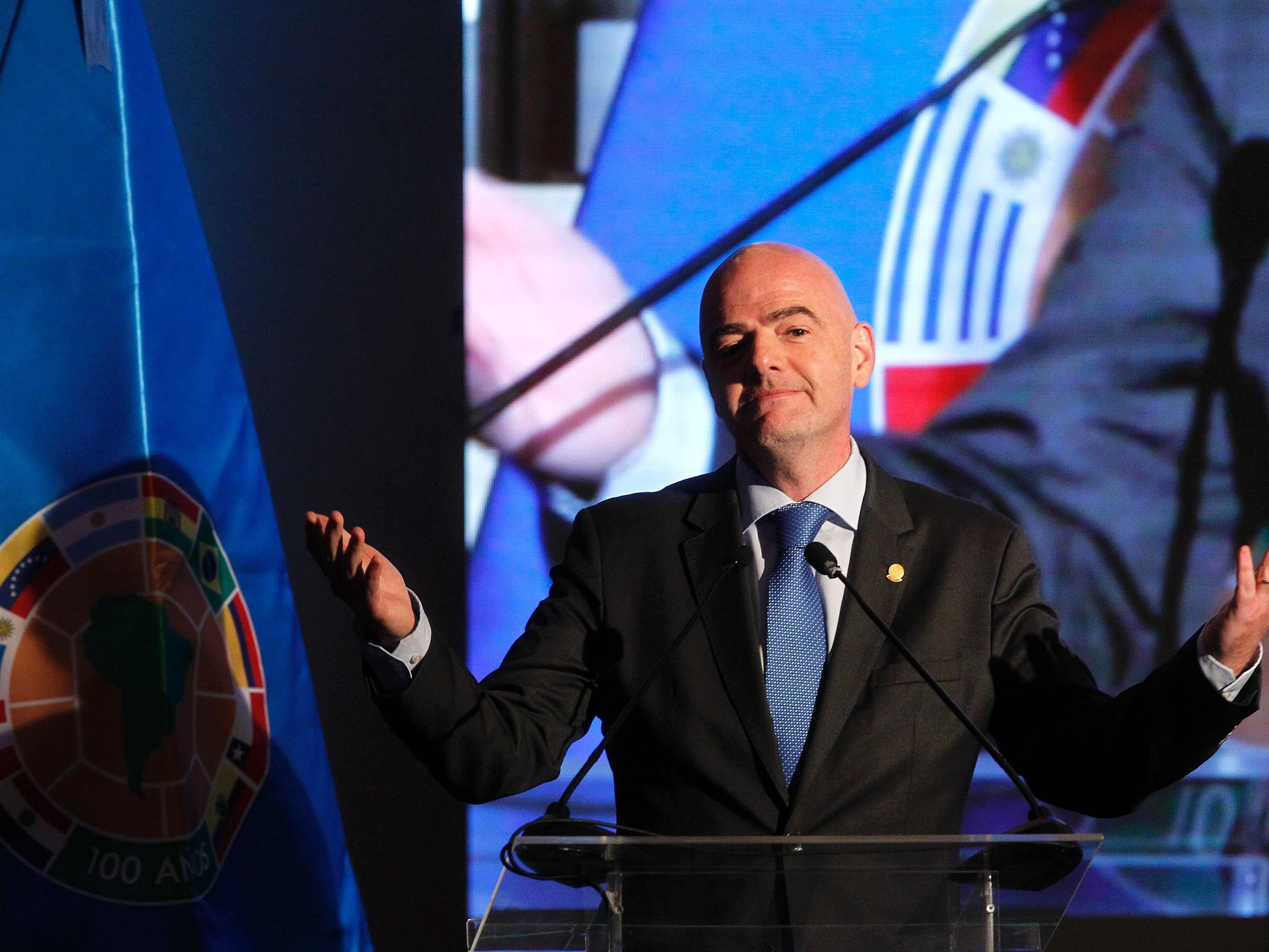 FIFA-Präsident Gianni Infantino kündigt Videobeweis für WM 2018 in Russland an.