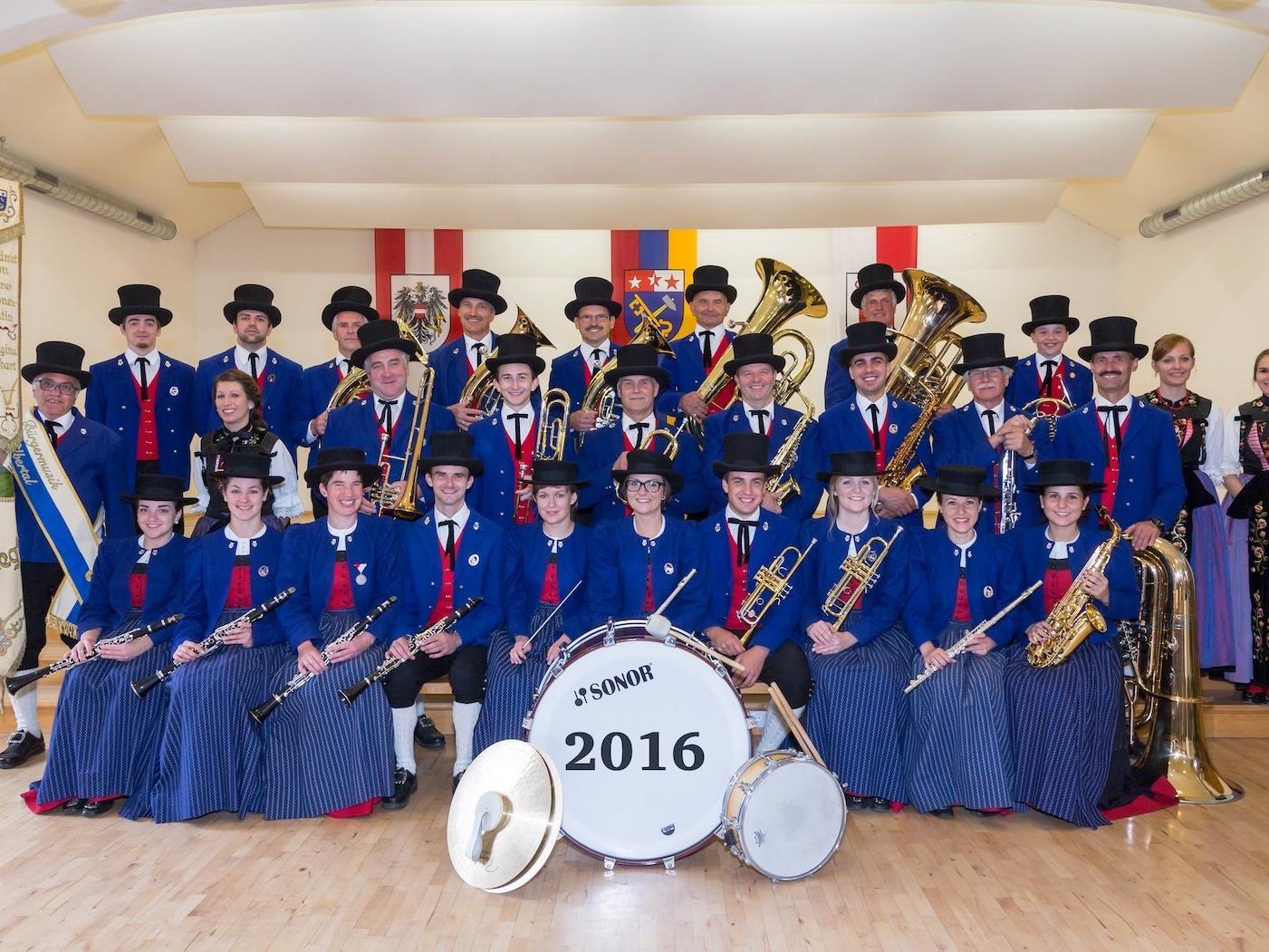 Die Musikantinnen und Musikanten der Bürgermusik freuen sich auf Ihr Kommen!