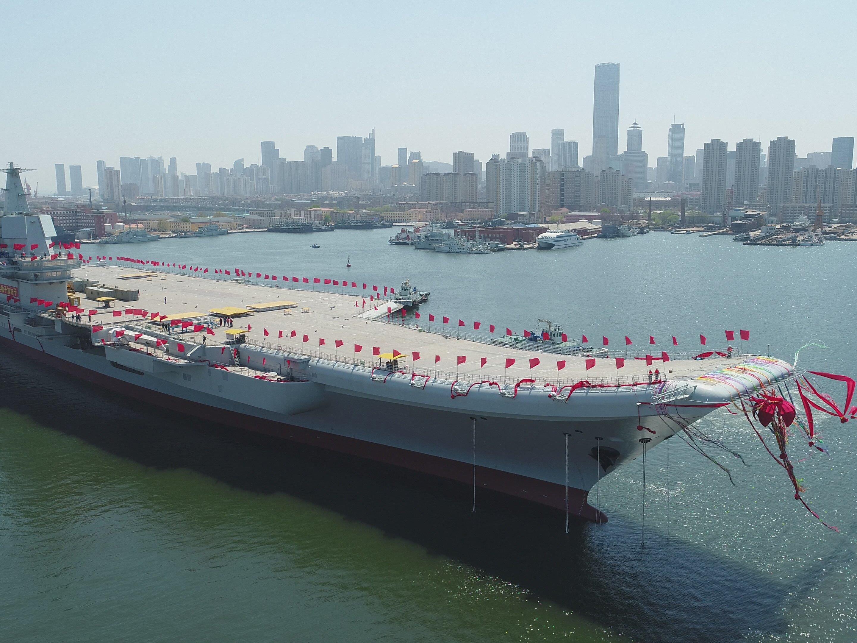"""Das noch unbenannte Schiff """"Typ 001A"""" wurde am Mittwoch zu Wasser gelassen."""