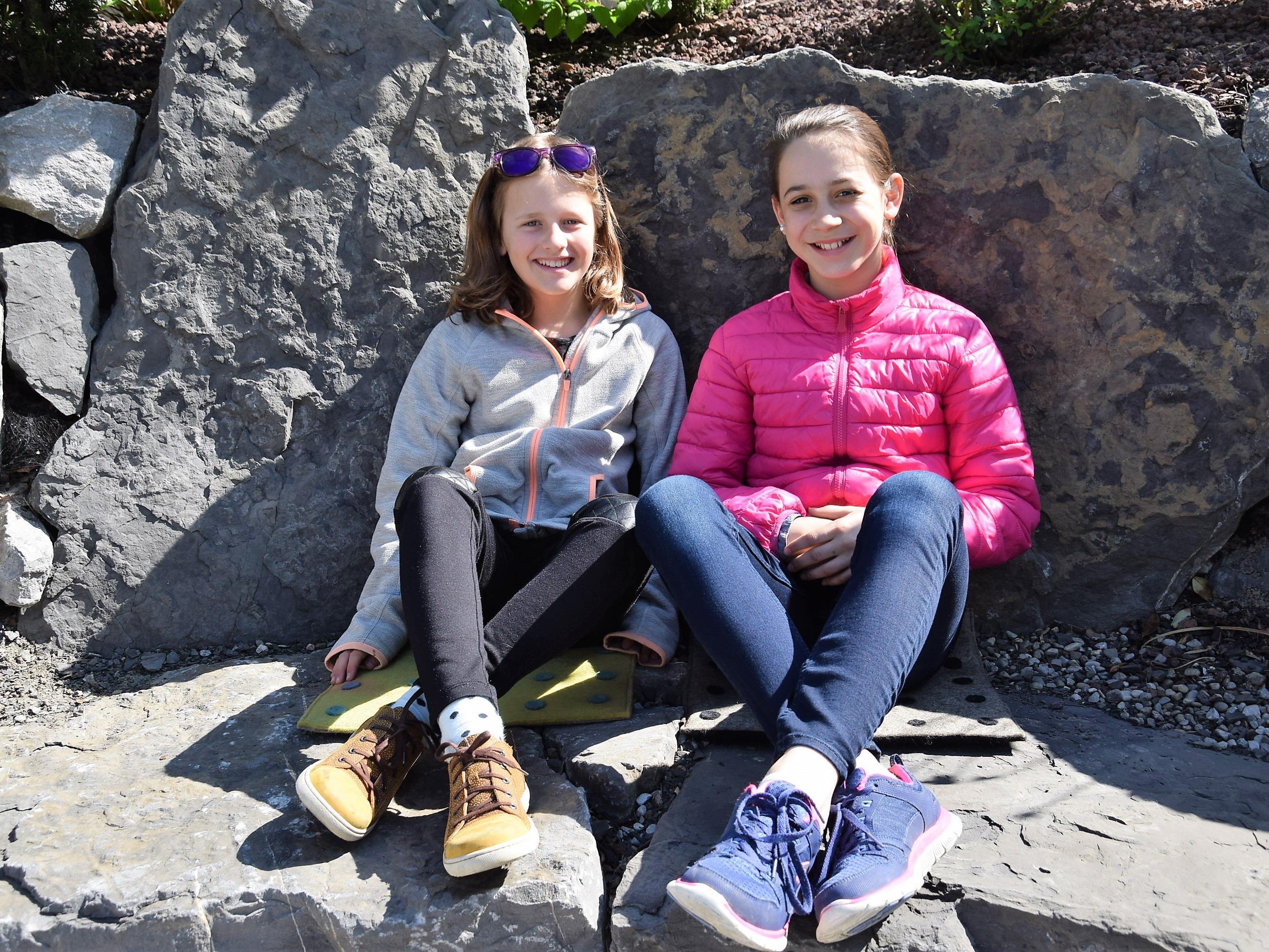 Emilia (11) und Sarah (11) genossen das tolle Ambiente im Ideenpark amKumma